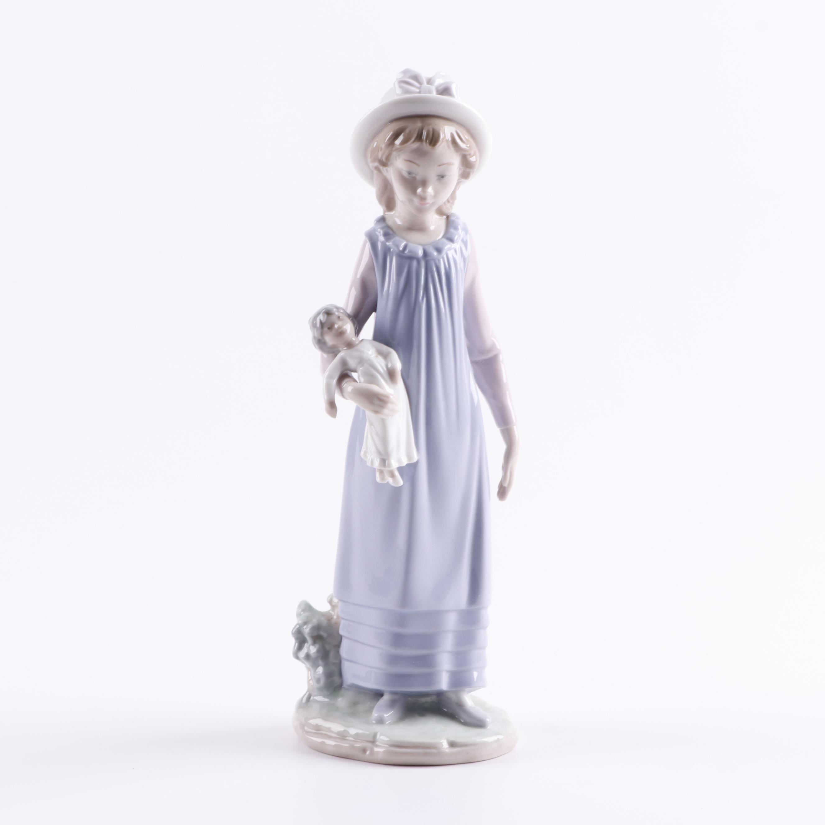 """Lladró """"Belinda With Her Doll"""" Porcelain Figure"""