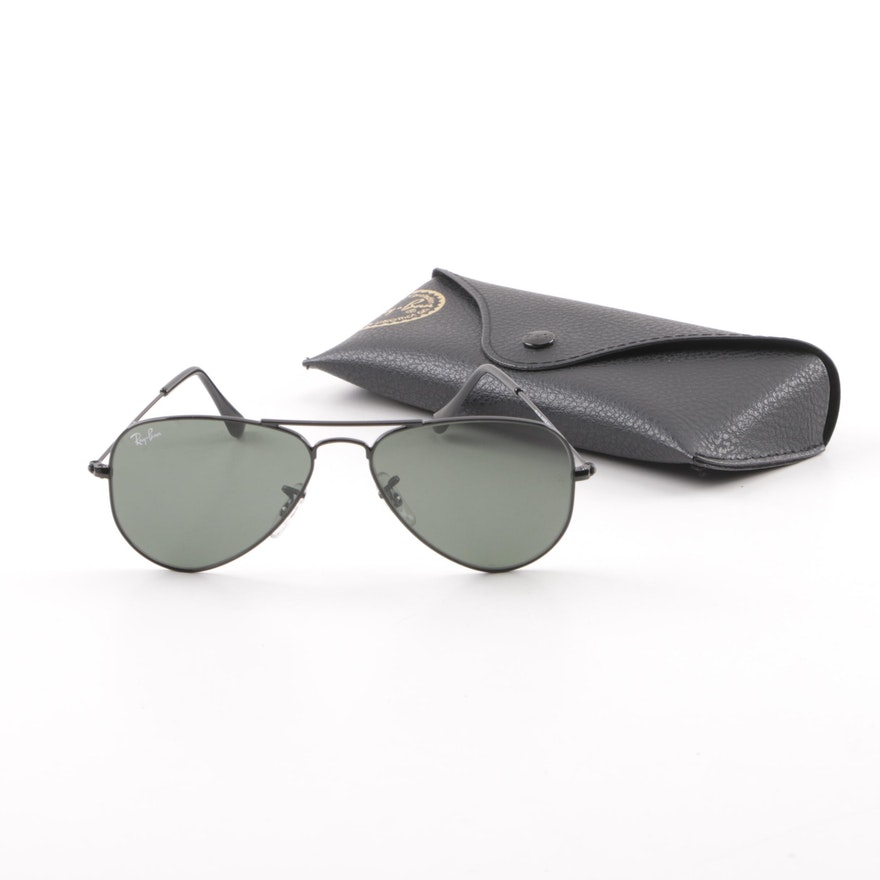 05663a049e Ray-Ban RB 3044 Black Aviator Sunglasses with Case   EBTH