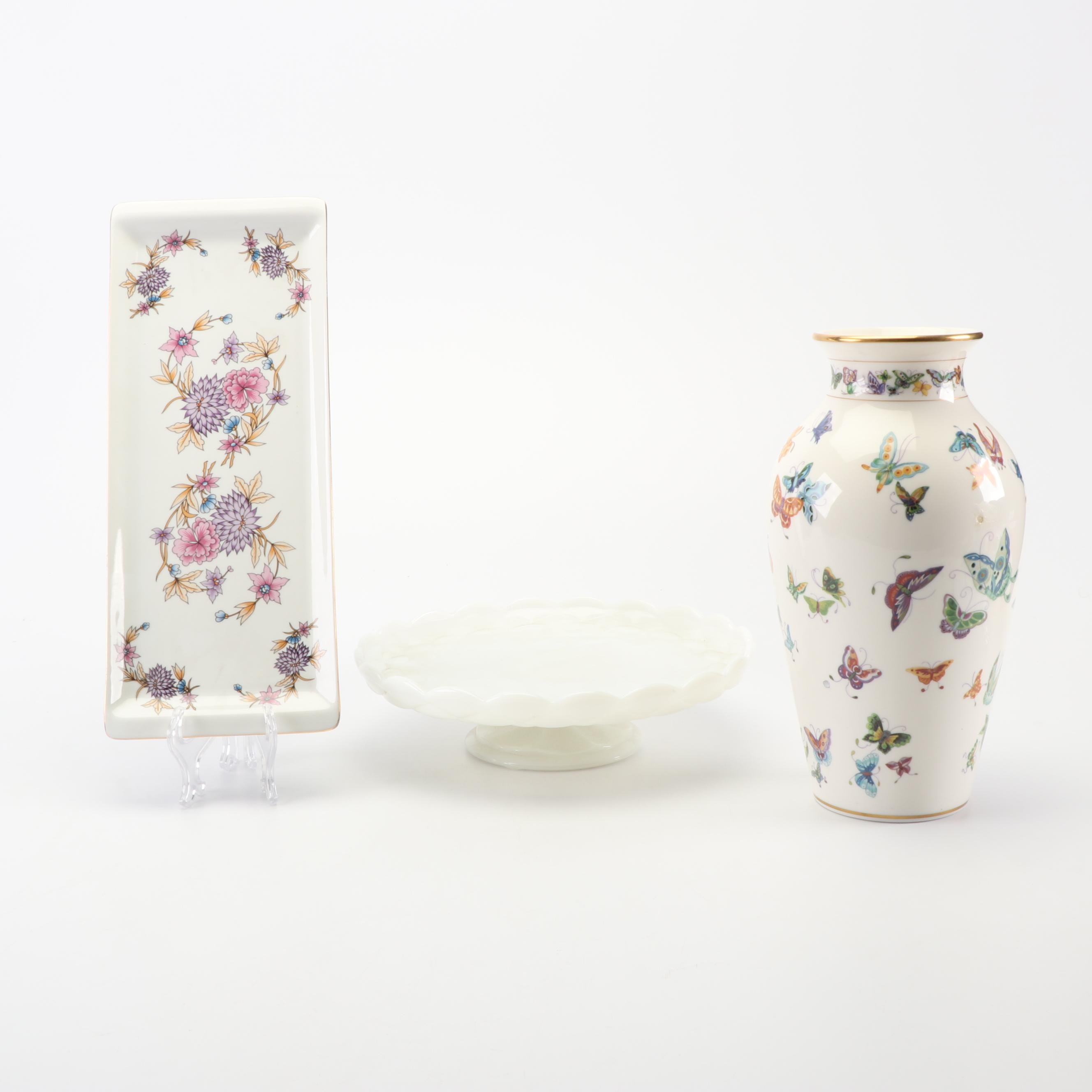 """Franklin Mint Porcelain """"The Vase of a Hundred Butterflies"""" and Serving Dishes"""