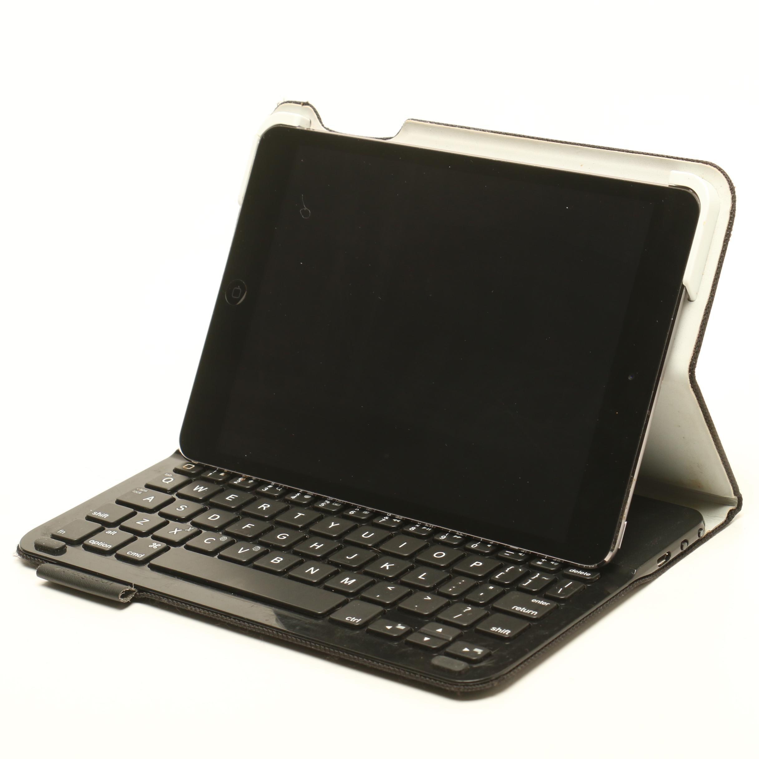 Apple iPad with Keyboard, Model A 1489