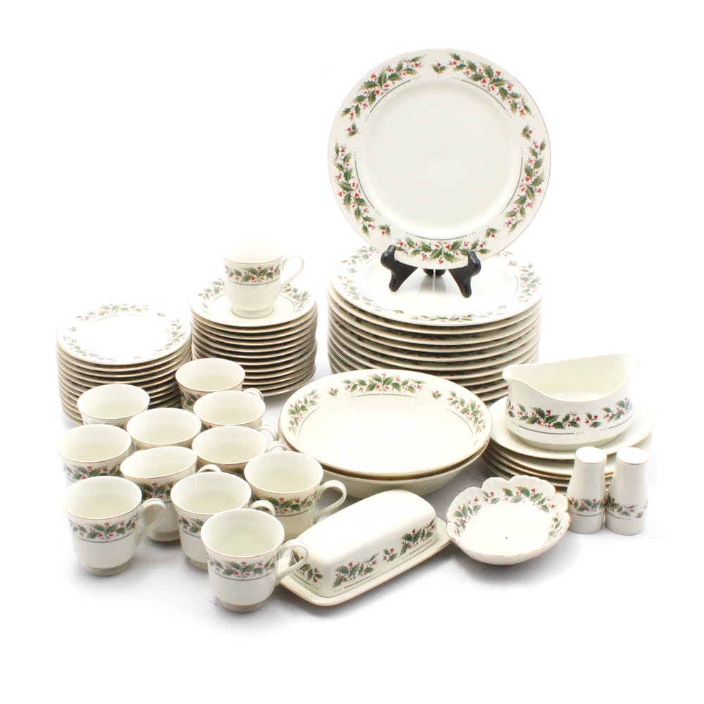 Holly Yuletide Tableware Collection