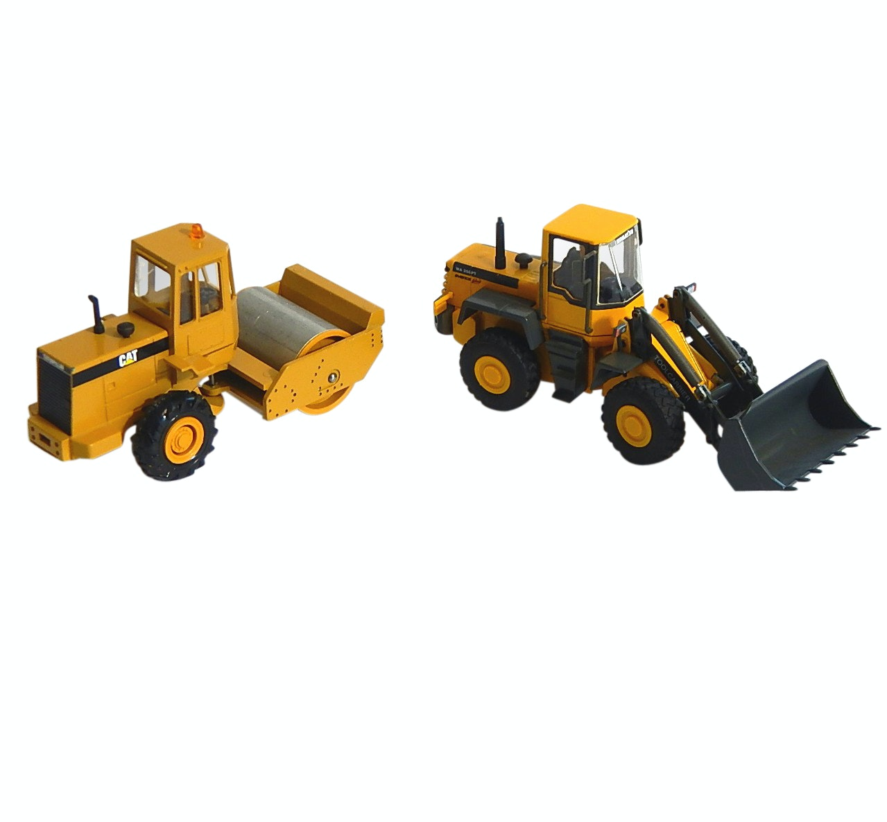 Conrad 1:50 Caterpillar Asphalt Drum Compactor and Komatsu WA250 Tool Carrier
