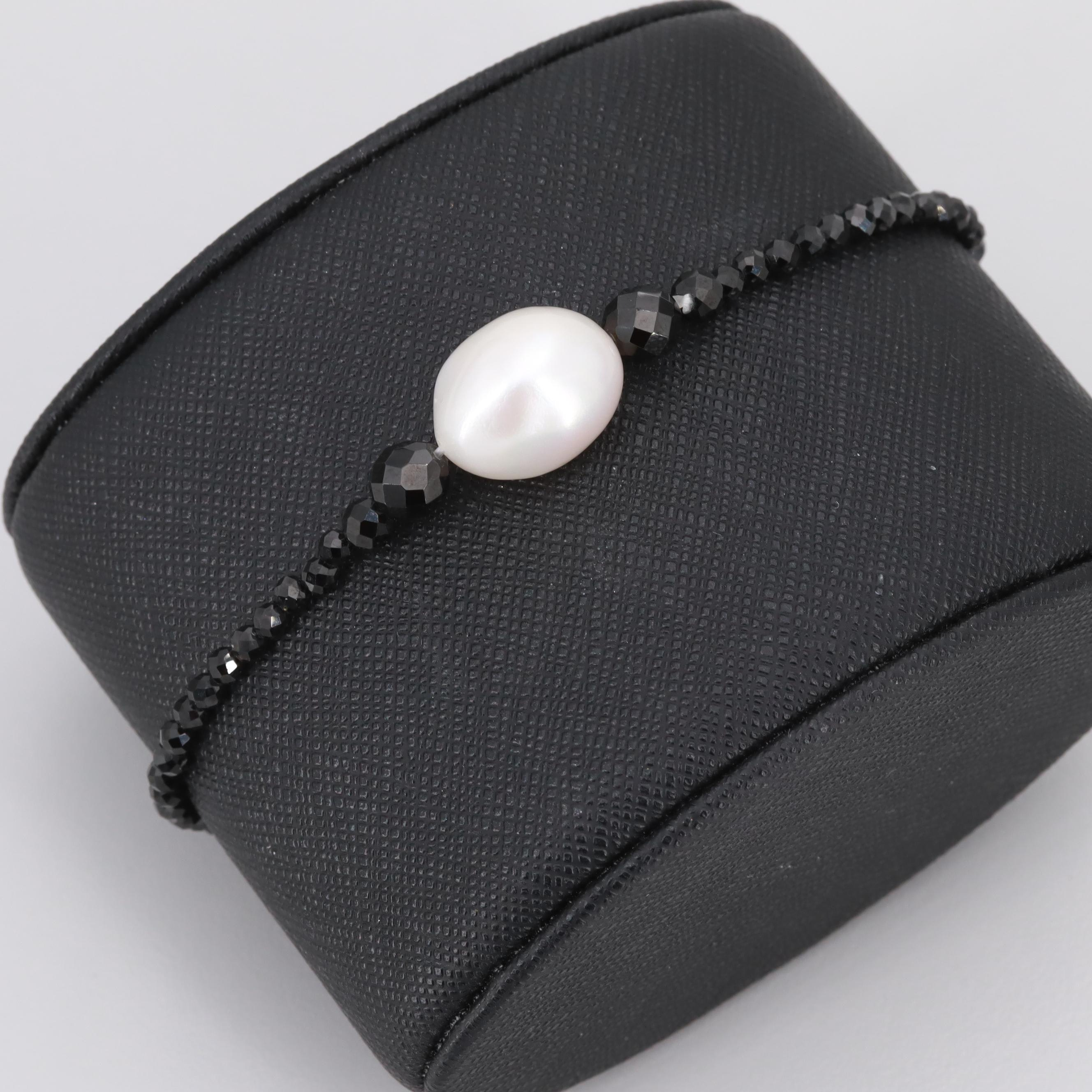 Beaded Cultured Pearl and Black Onyx Expandable Bracelet