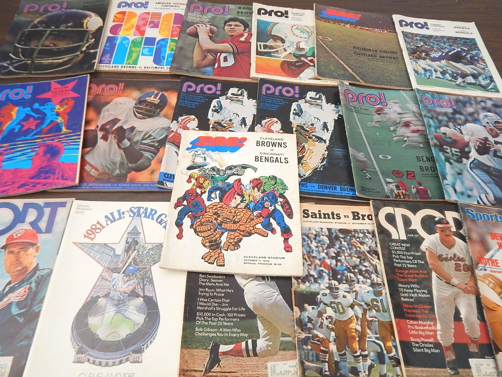 """Magazines with """"Pro!"""", """"Sports Illustrated"""", """"Sport"""" and 1981 All-Star Program"""