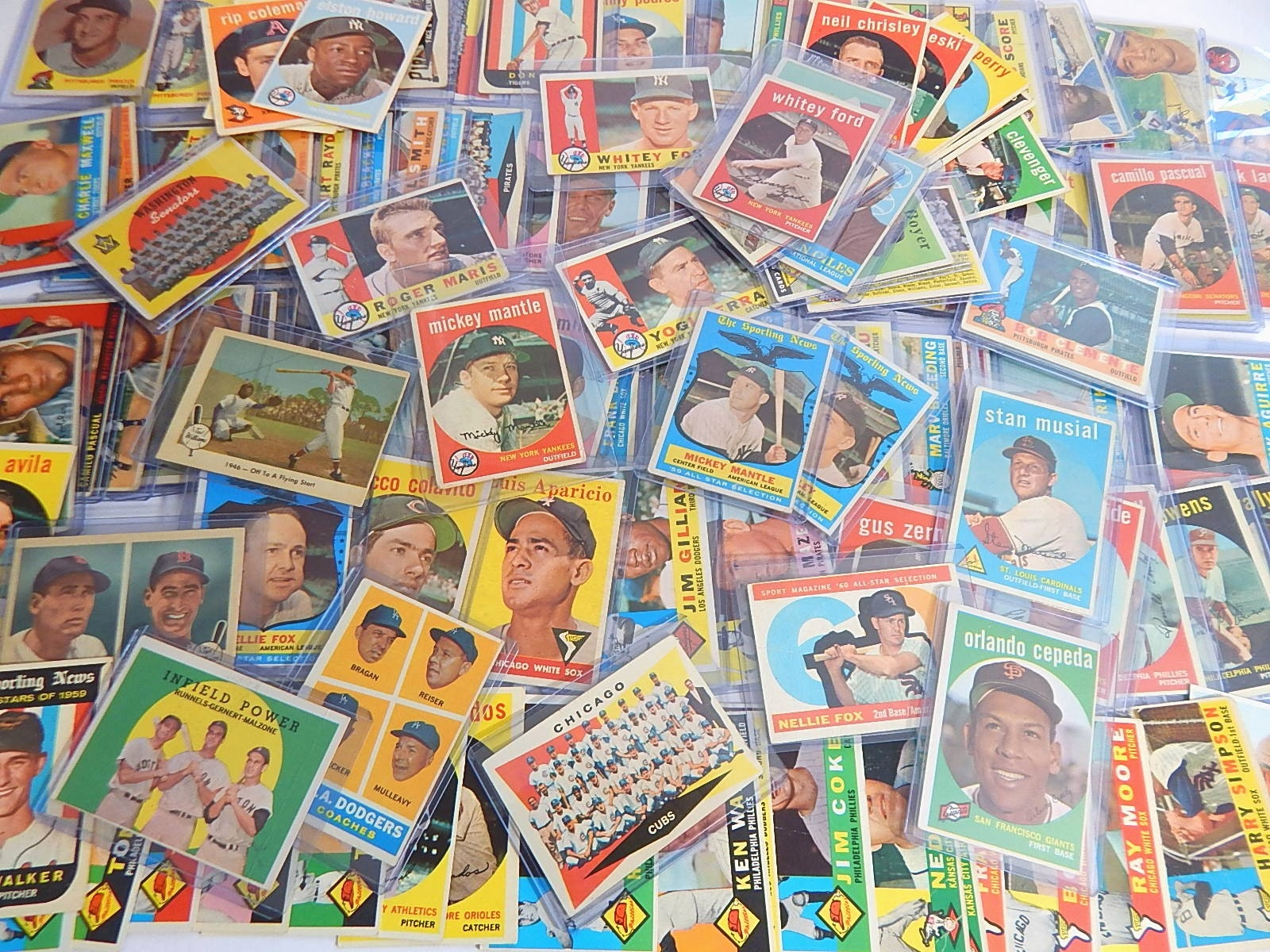 Large Vintage Baseball Card Lot from 1955 to 1961 with Mantle, Musial, Berra
