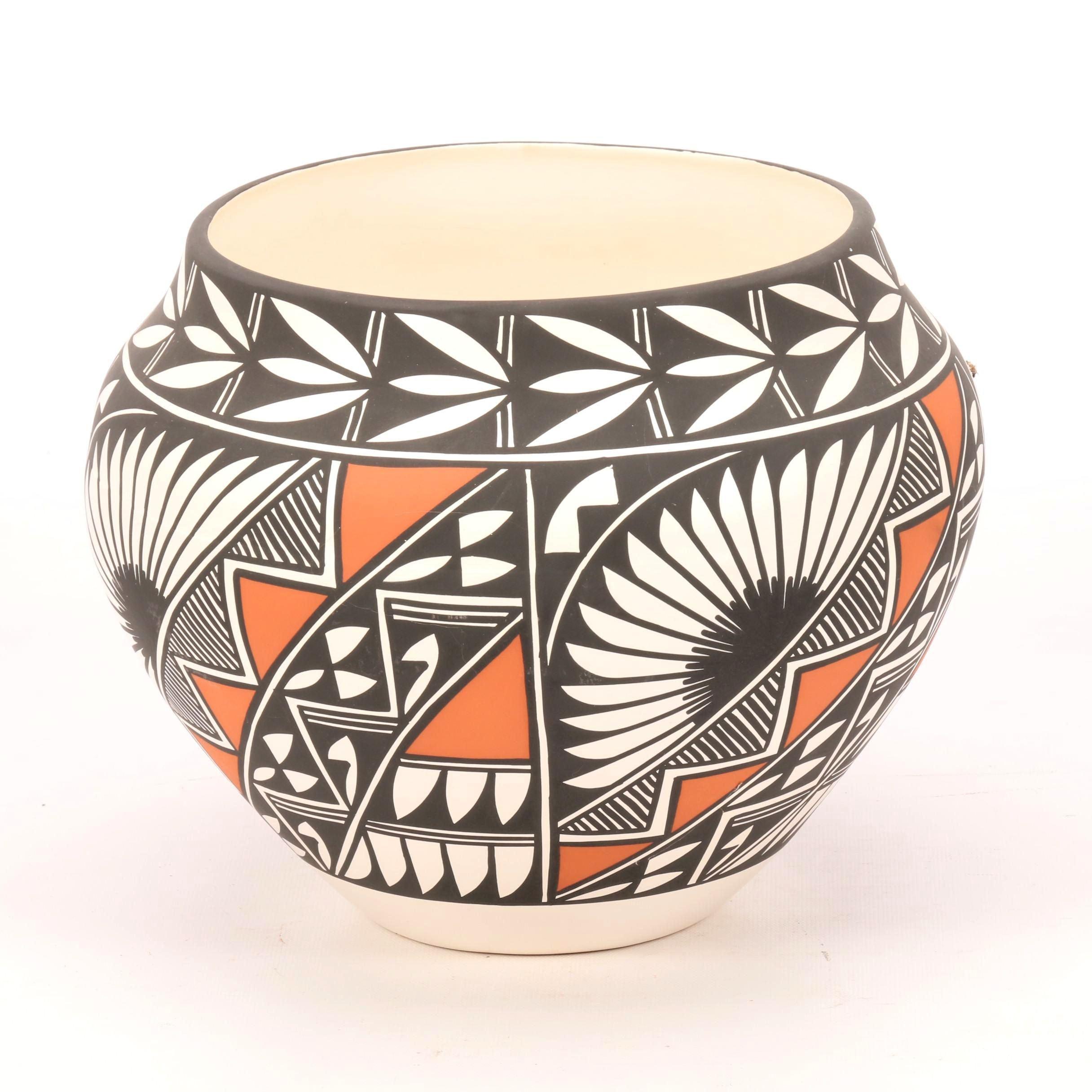 E. Antonio Native American Art Pottery Vessel
