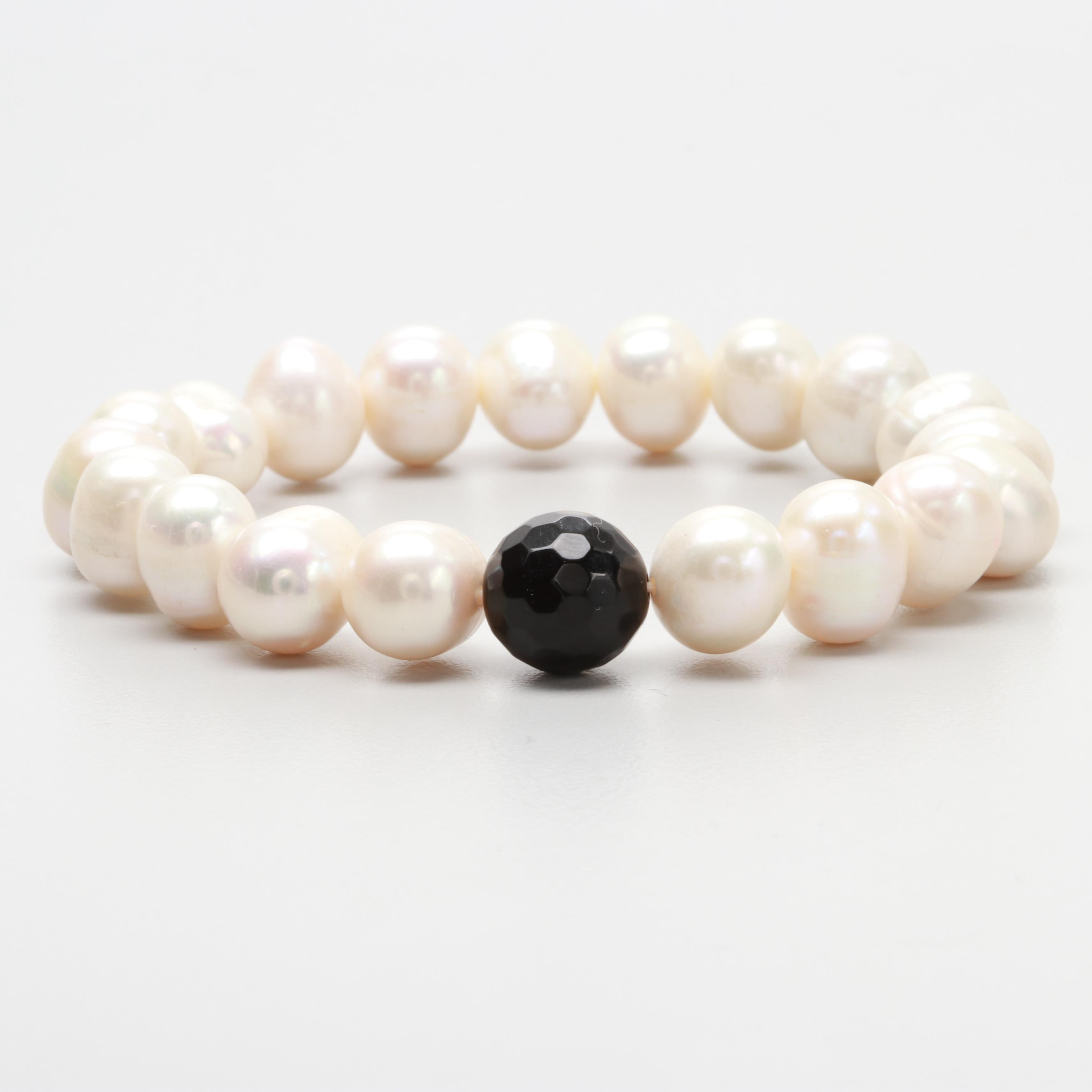 Expandable Cultured Pearl and Black Onyx Bracelet on Cord