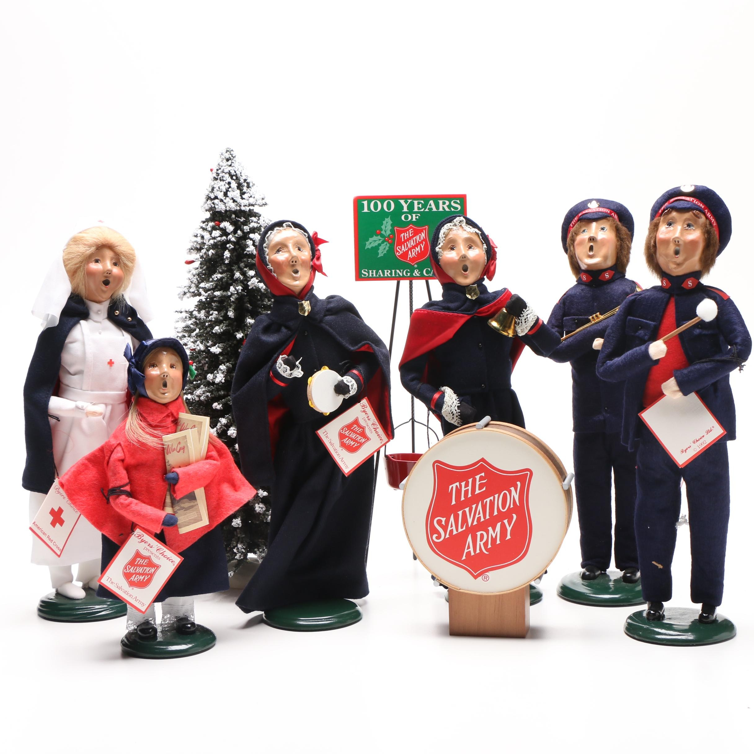 1999 Byers' Choice Salvation Army Musicians and Carolers with Accessories