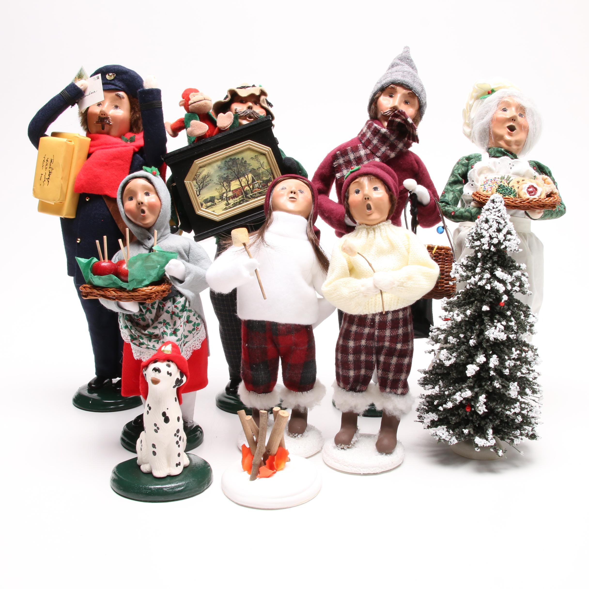 "Byers' Choice ""The Carolers"" Christmas Figurines"