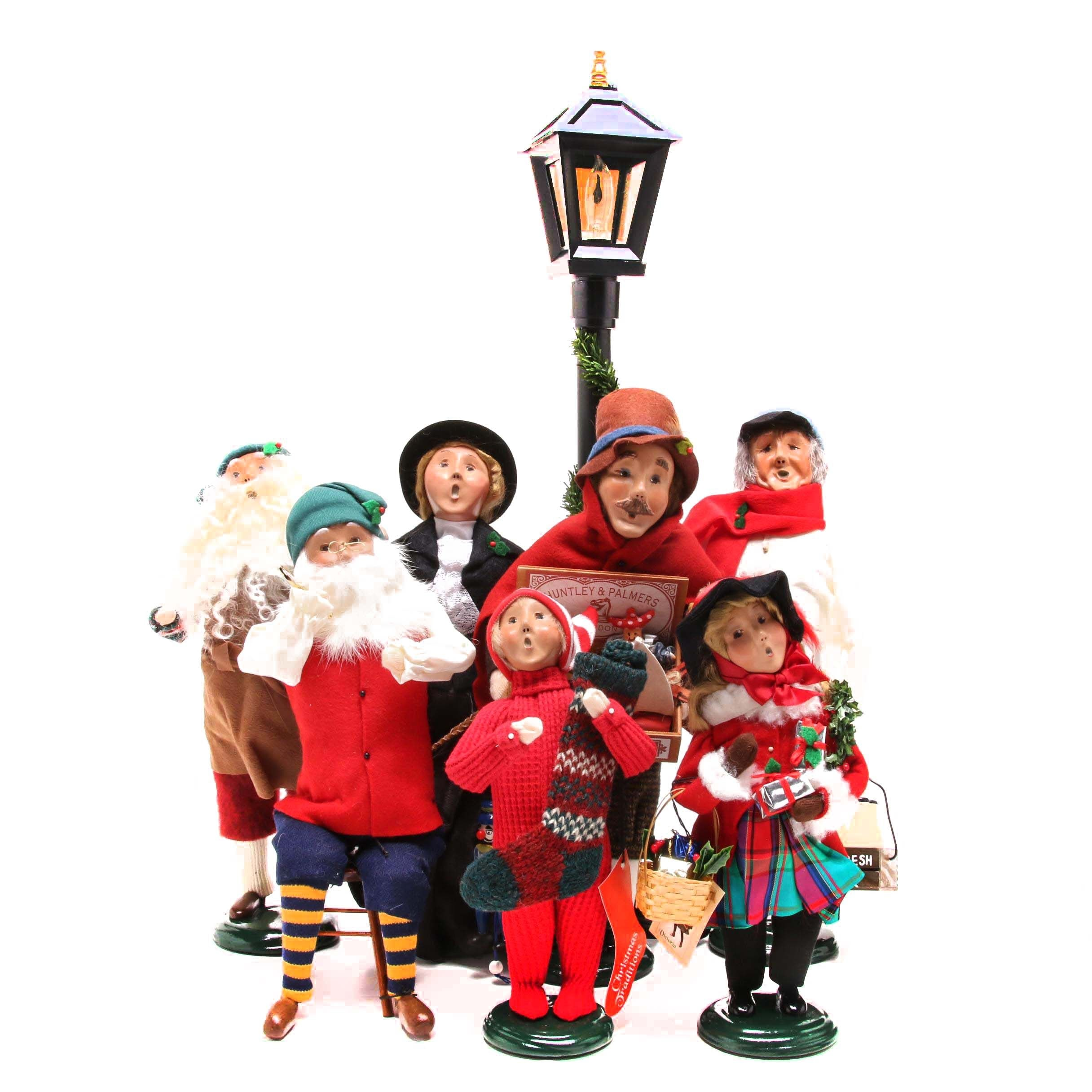 Byer's Choice Christmas Figurines With Lamp Post