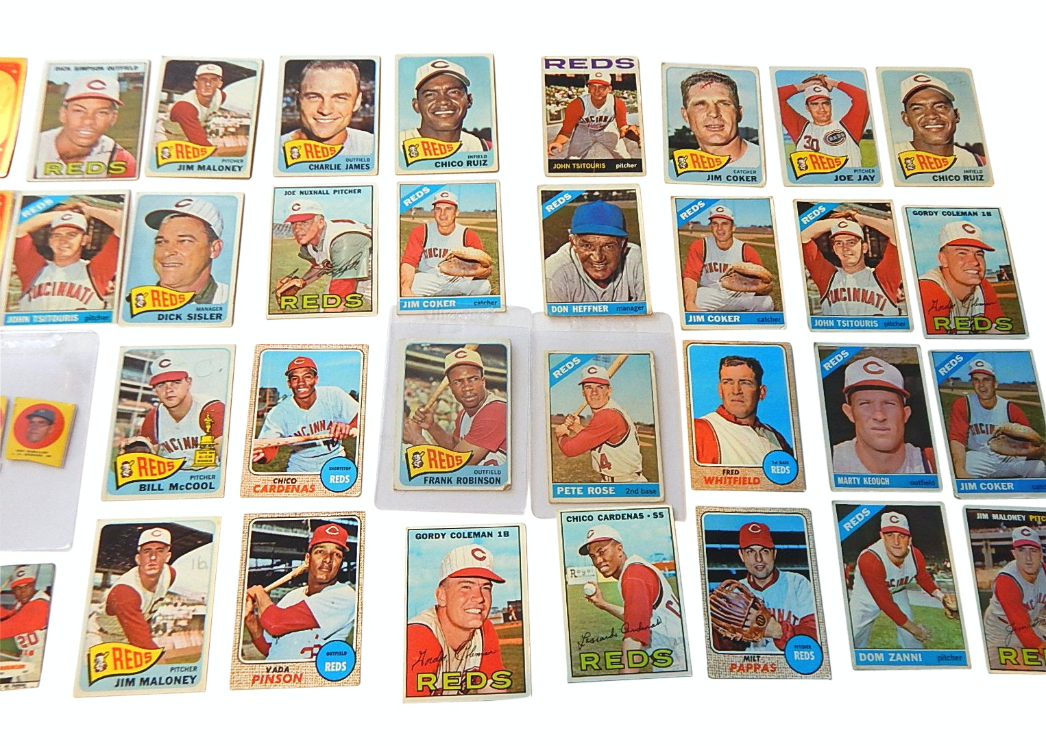 1960s Cincinnati Reds Baseball Card Lot -Rose, Robinson, Nuxhall
