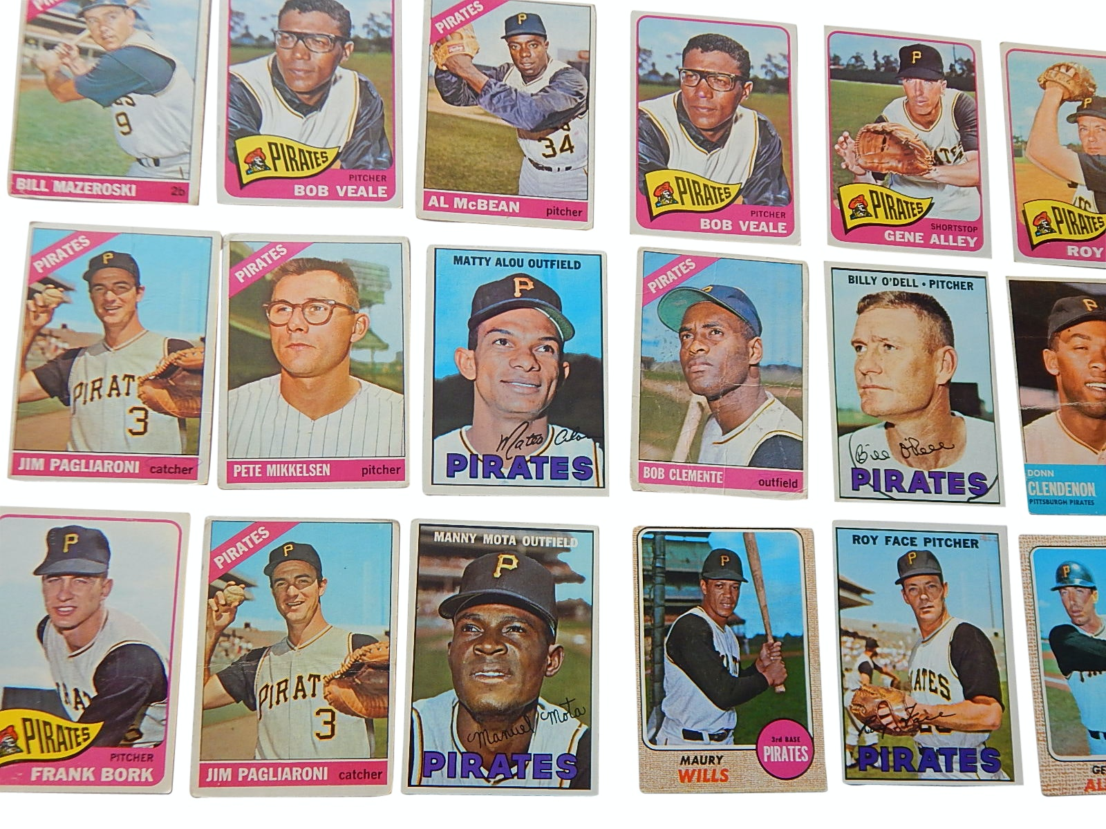 1960s Pittsburgh Pirates Baseball Card Lot with Clemente, Mazeroski, Alou