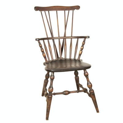 Nichols & Stone Style Comb Back Windsor Chair - Online Furniture Auctions Vintage Furniture Auction Antique