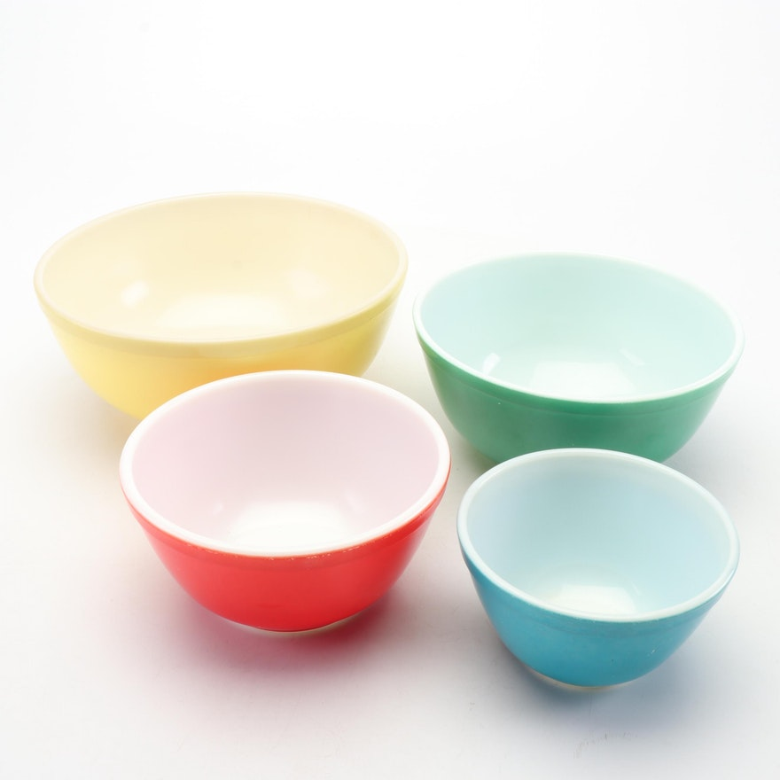 """Pyrex """"Primary Colors"""" Mixing Bowls, 1945-49"""