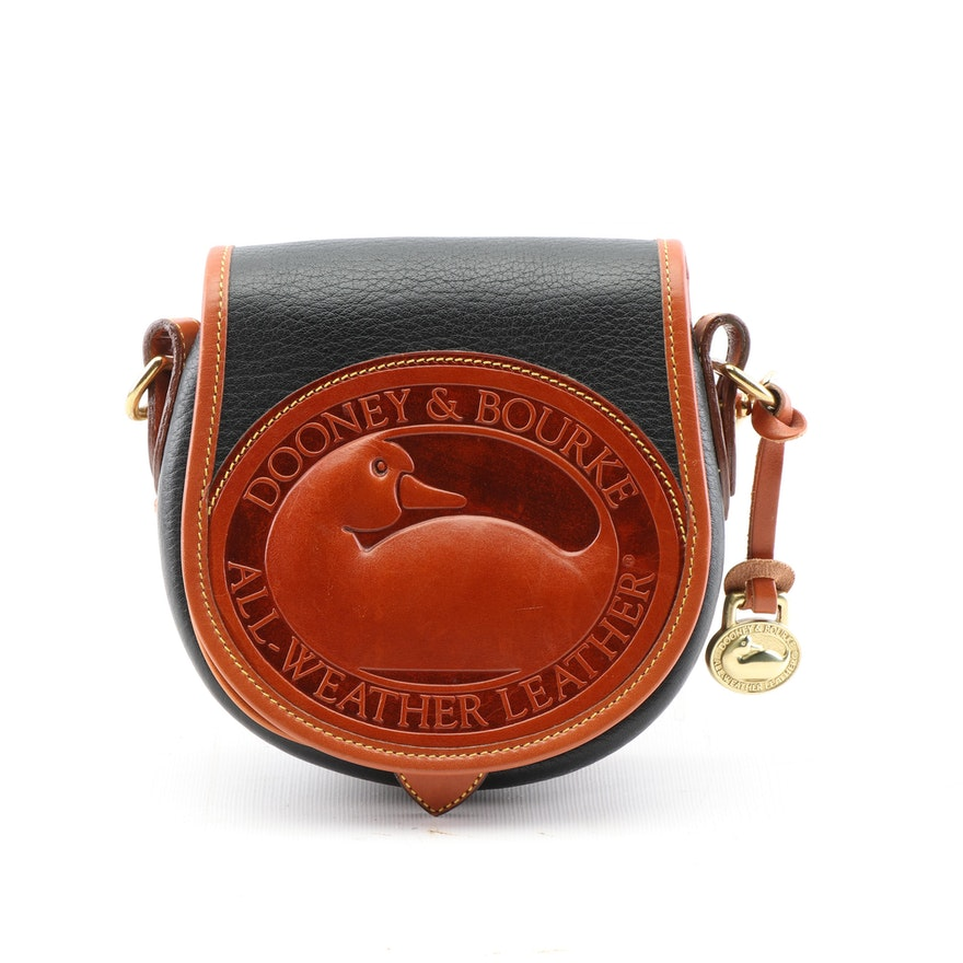 557b888725067 Vintage Dooney   Bourke All-Weather Leather Duck Logo Crossbody Bag ...