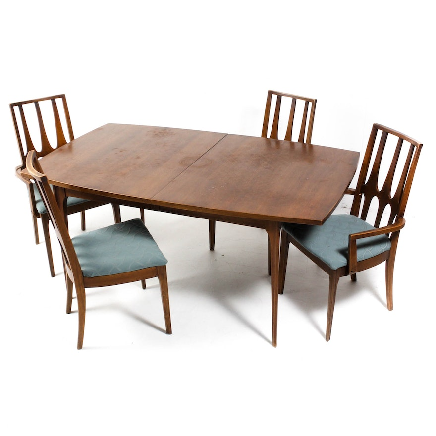 Mid Century Modern Broyhill Dining Table and Brasilia Chairs