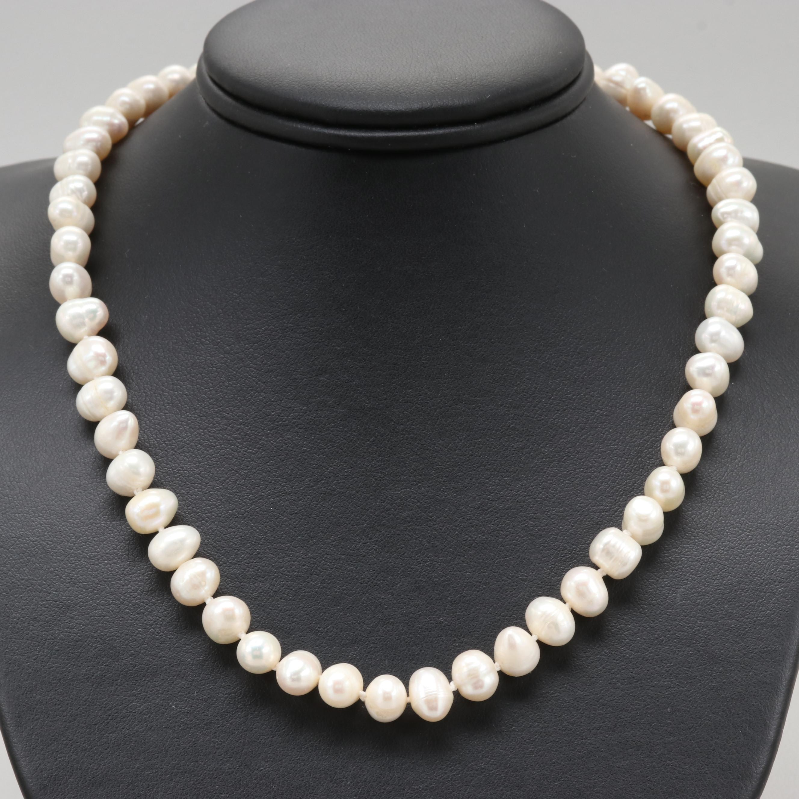 14K Yellow Gold Clasped Cultured Freshwater Pearl Necklace