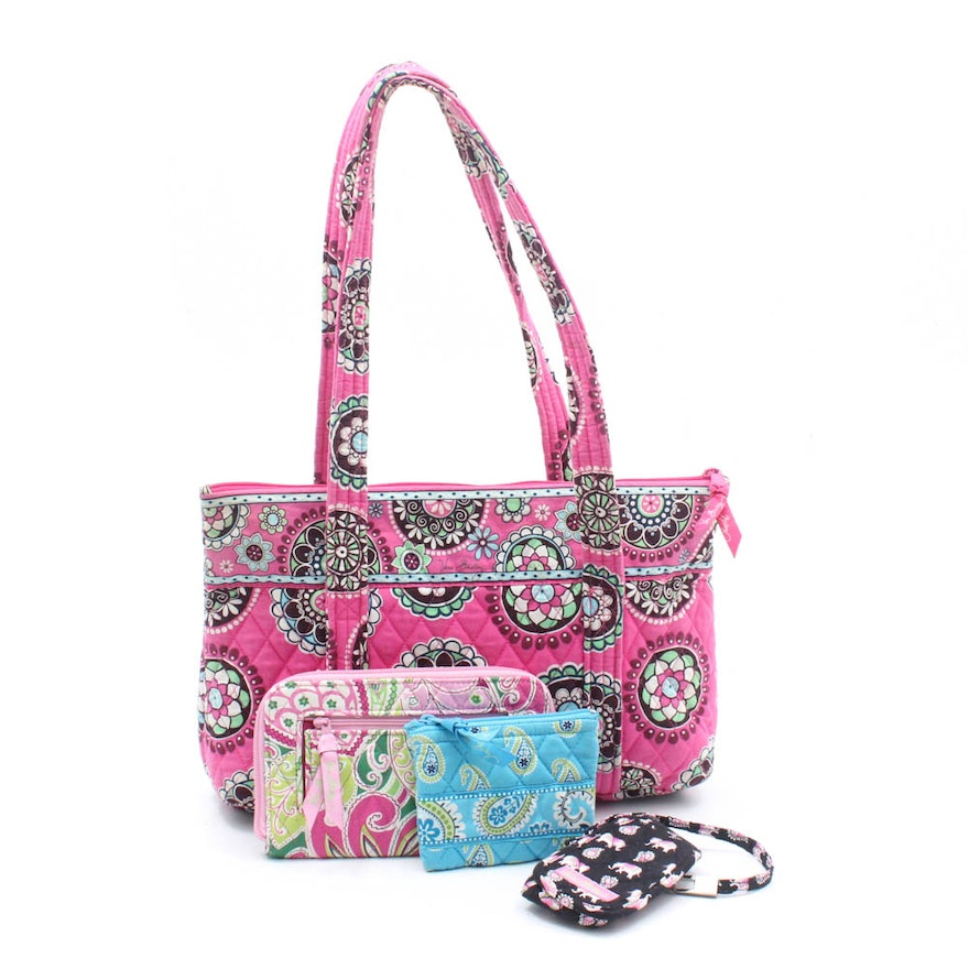 64b477fa1e83 Vera Bradley Printed Quilted Cotton Bags and Accessories : EBTH