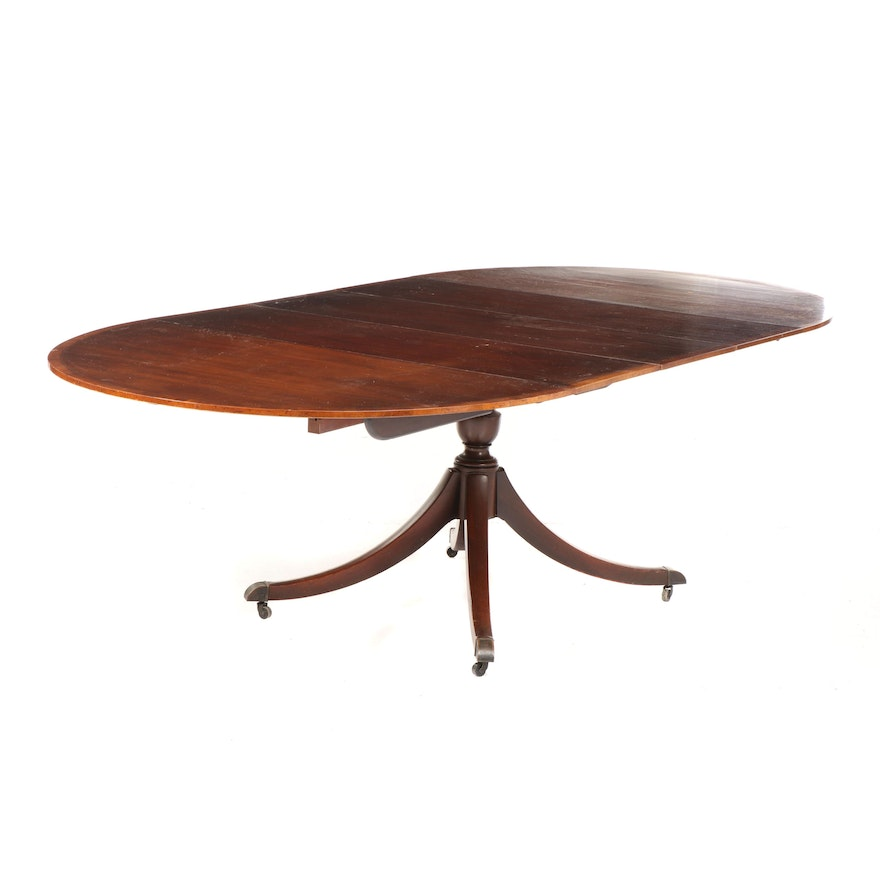 Federal Style Mahogany Pedestal Dining Table on Casters, Early 20th Century