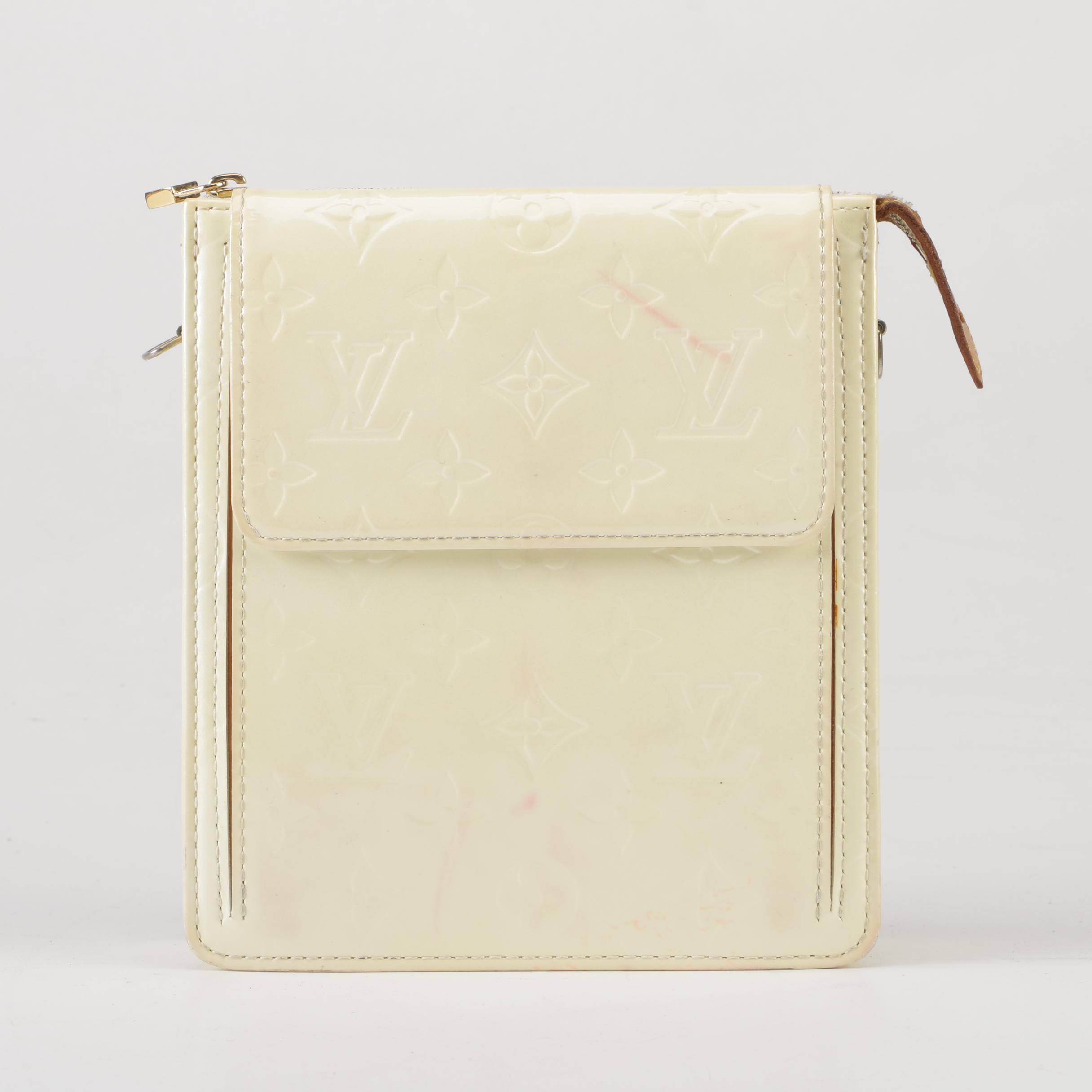 2005 Louis Vuitton Paris Marshmallow Monogram Vernis Mott Bag