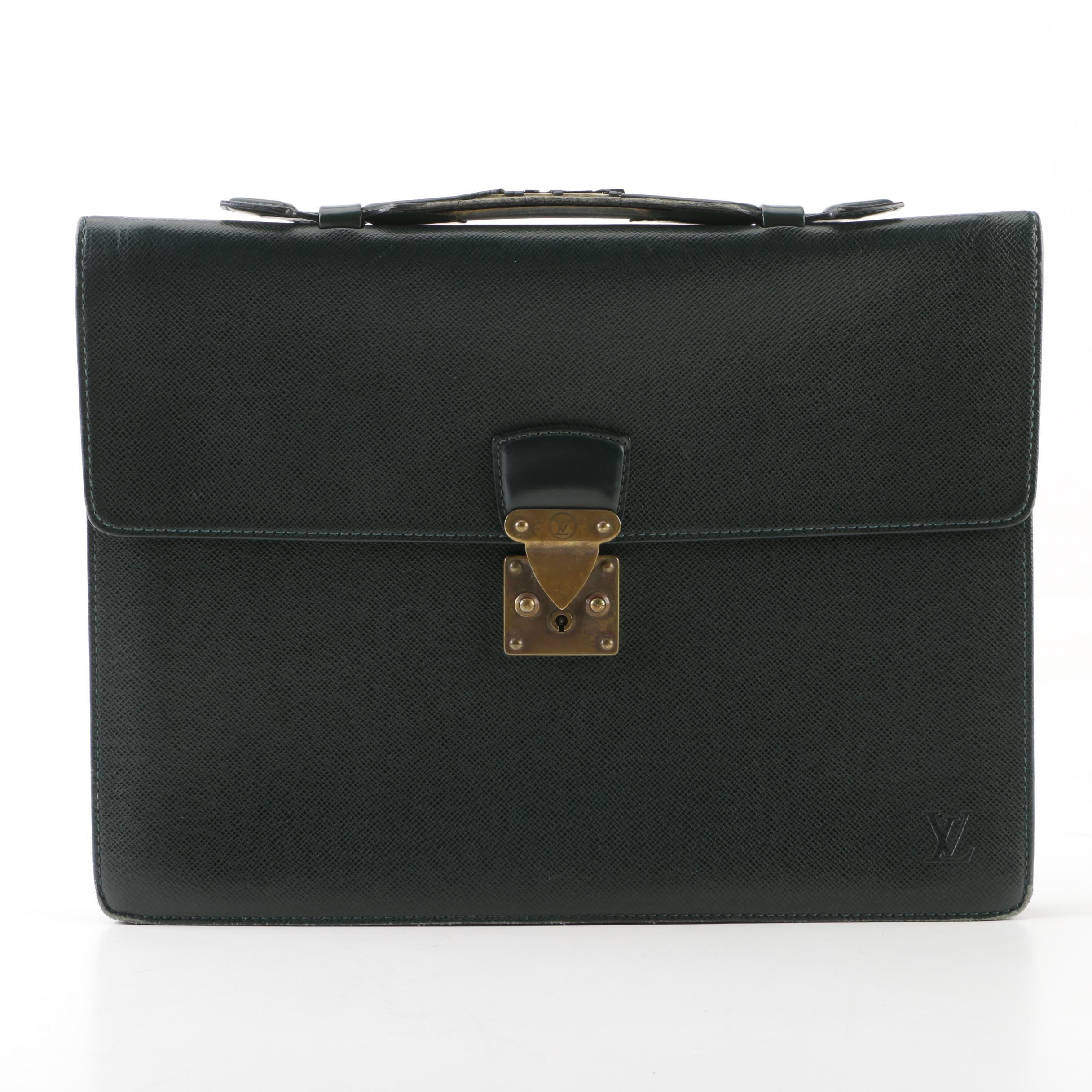 1994 Vintage Louis Vuitton Paris Green Taiga Leather Kourad Ambassador Serviette