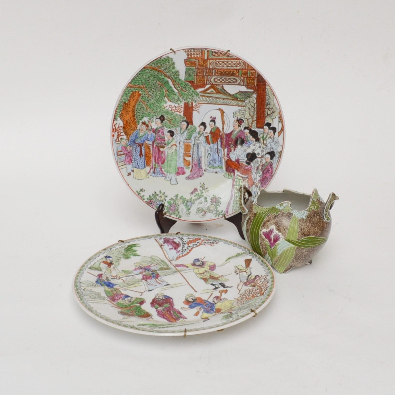 Chinese Decorative Plates and Japanese Vase