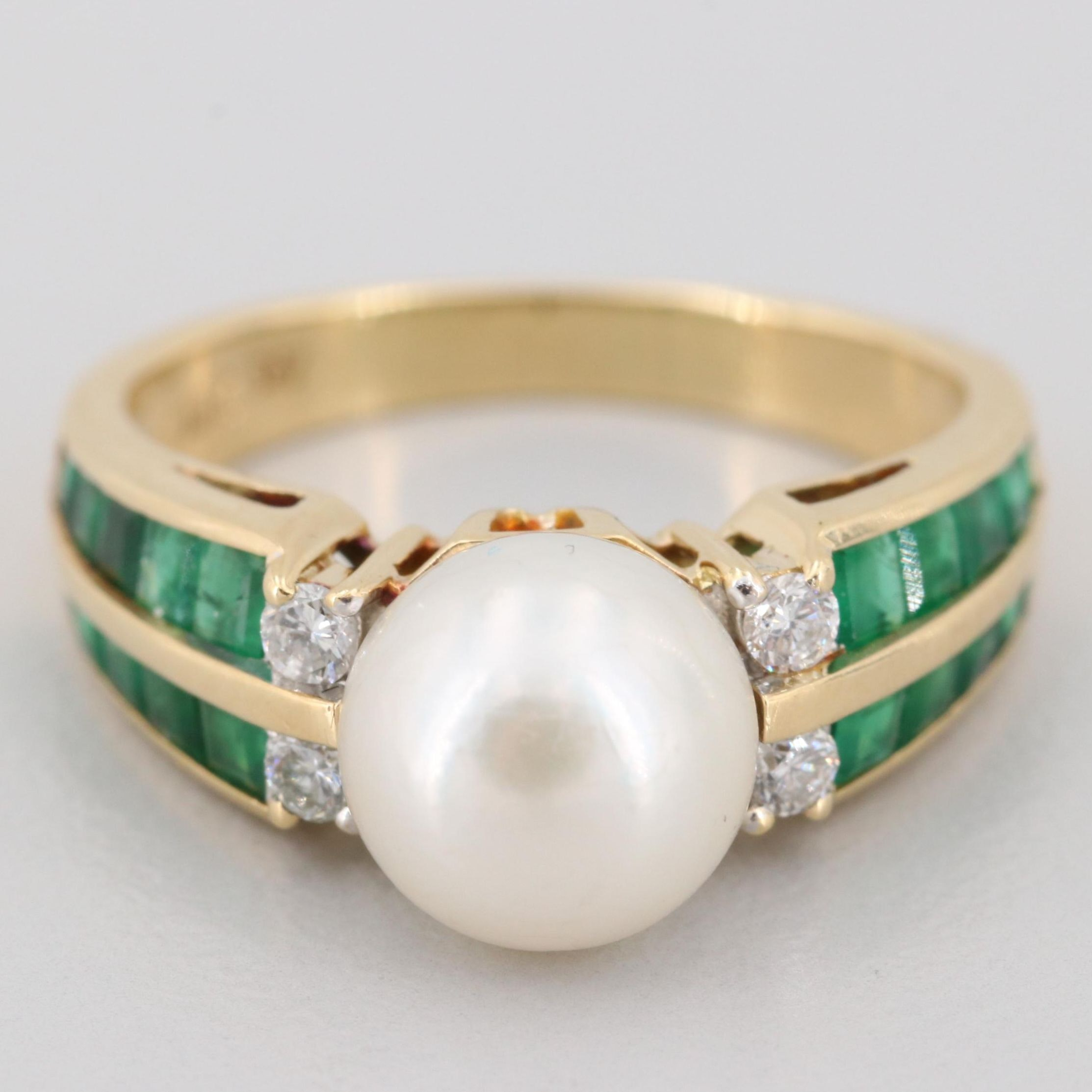 18K Yellow Gold Pearl, Emerald and Diamond Ring
