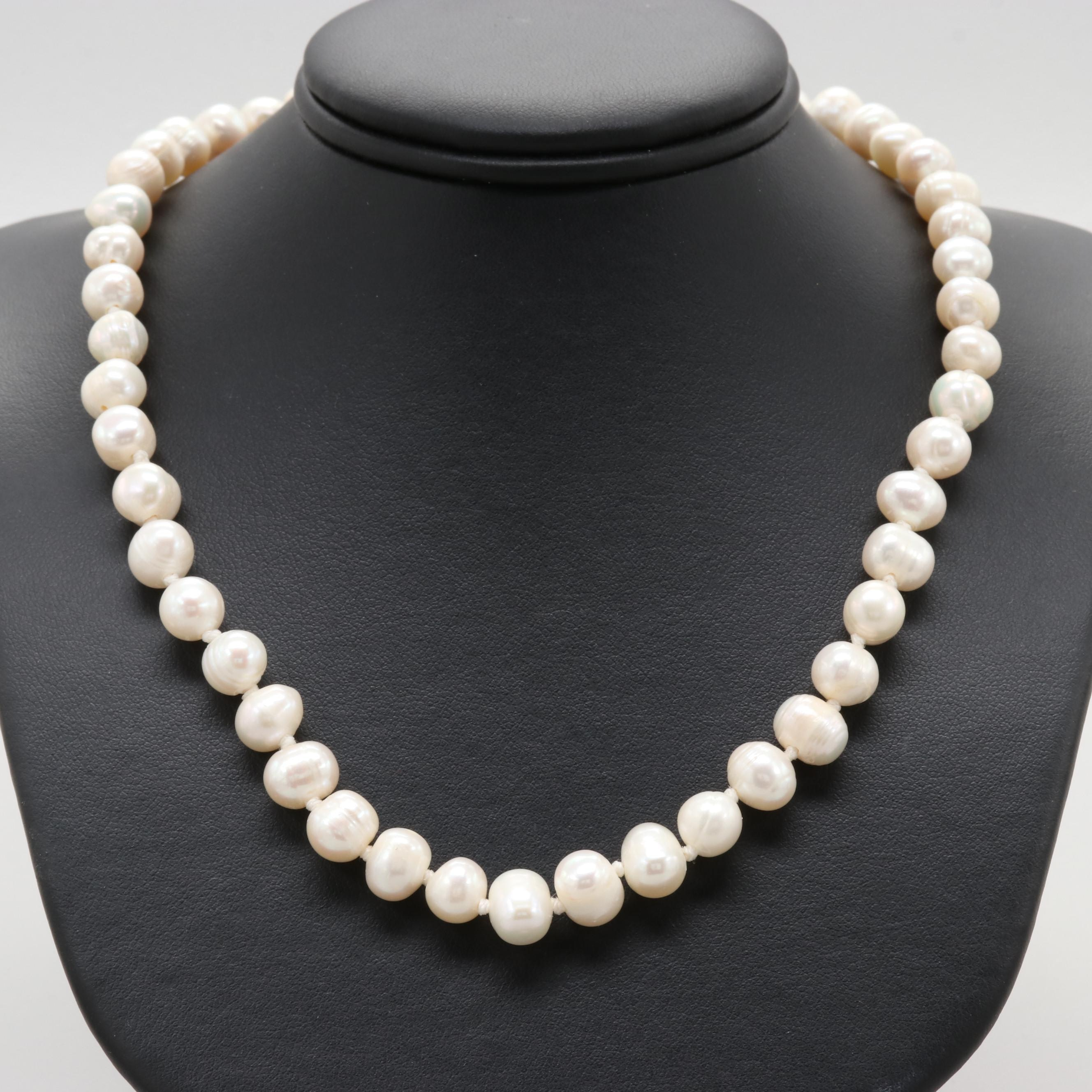 18K Yellow Gold Clasped Cultured Freshwater Pearl Necklace