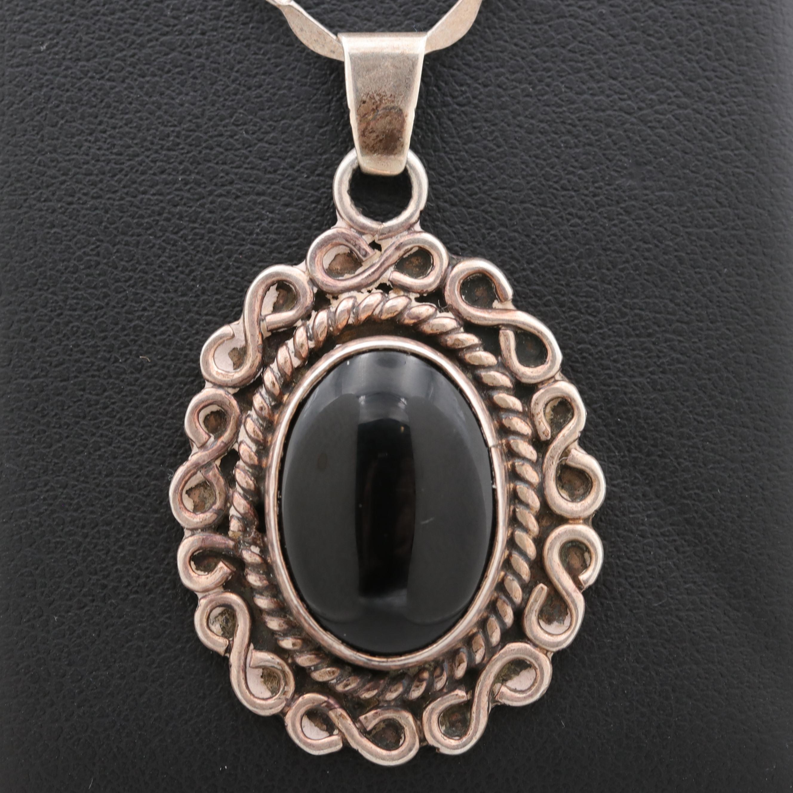 Mexican Sterling Silver Black Onyx Pendant Necklace