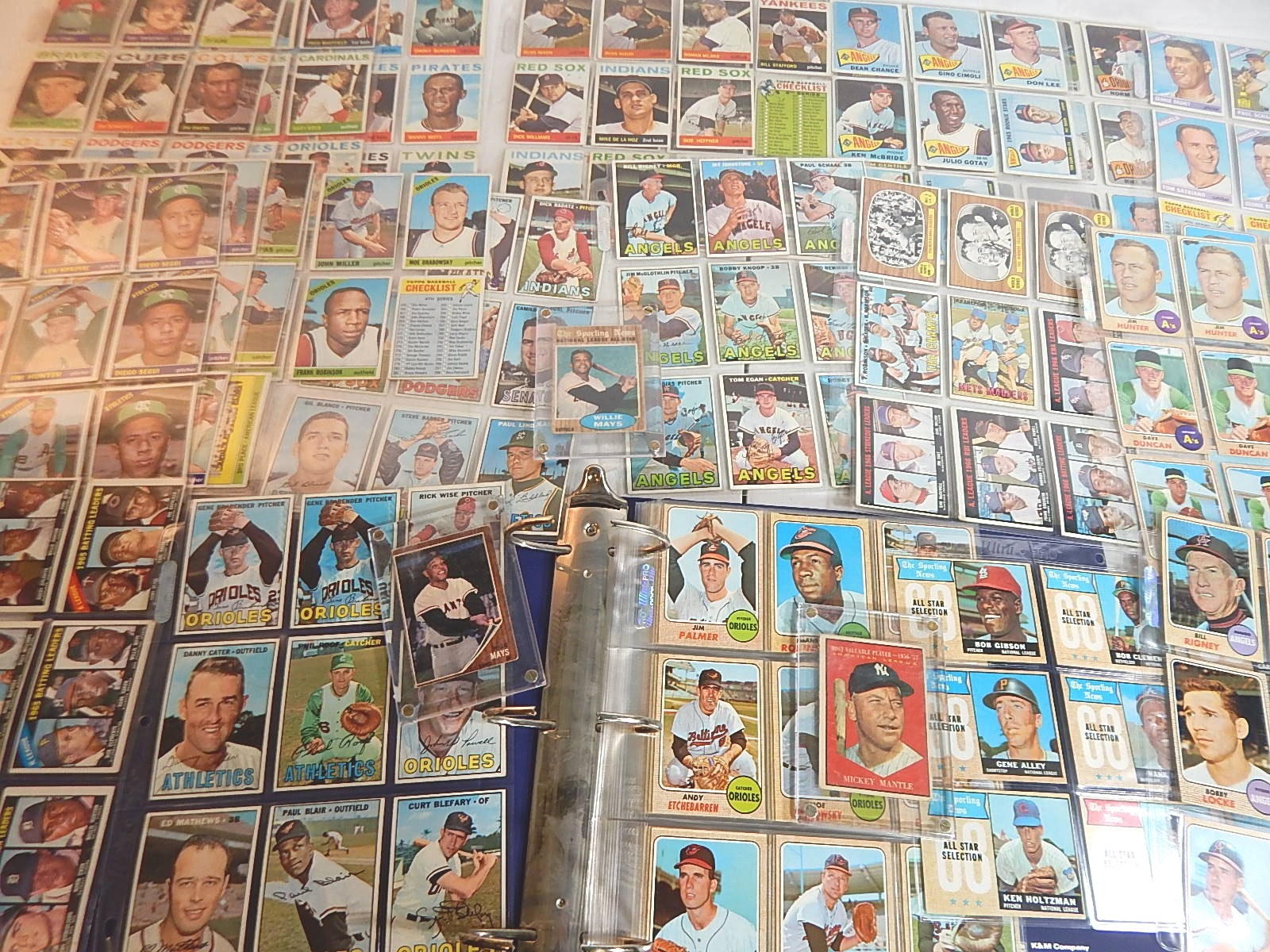 Large 1960s Topps Baseball Card Collection in Album - Mantle, Clemente, Mays
