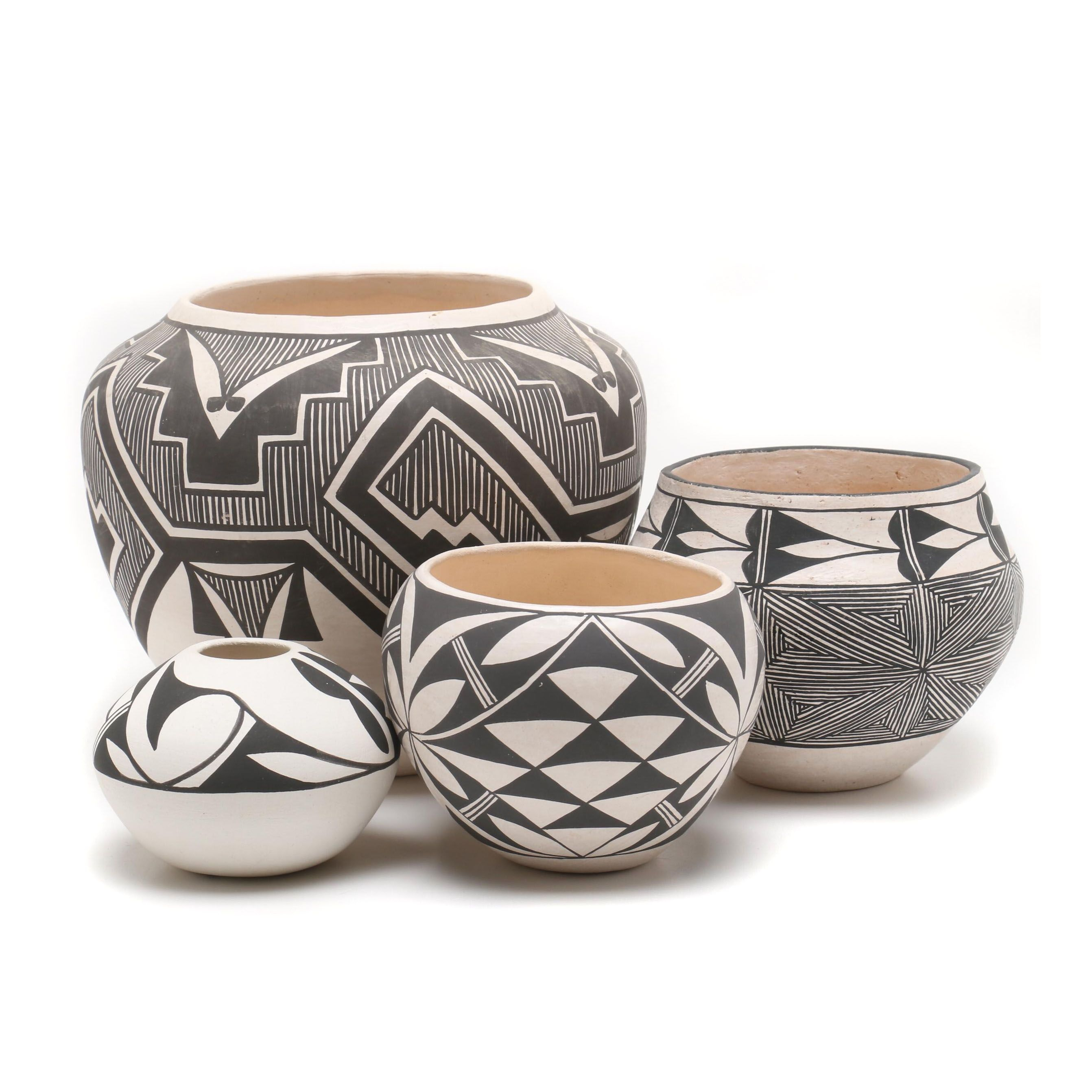 Shroulate, Vallo and Abelia Acoma Black on White Earthenware Vessels