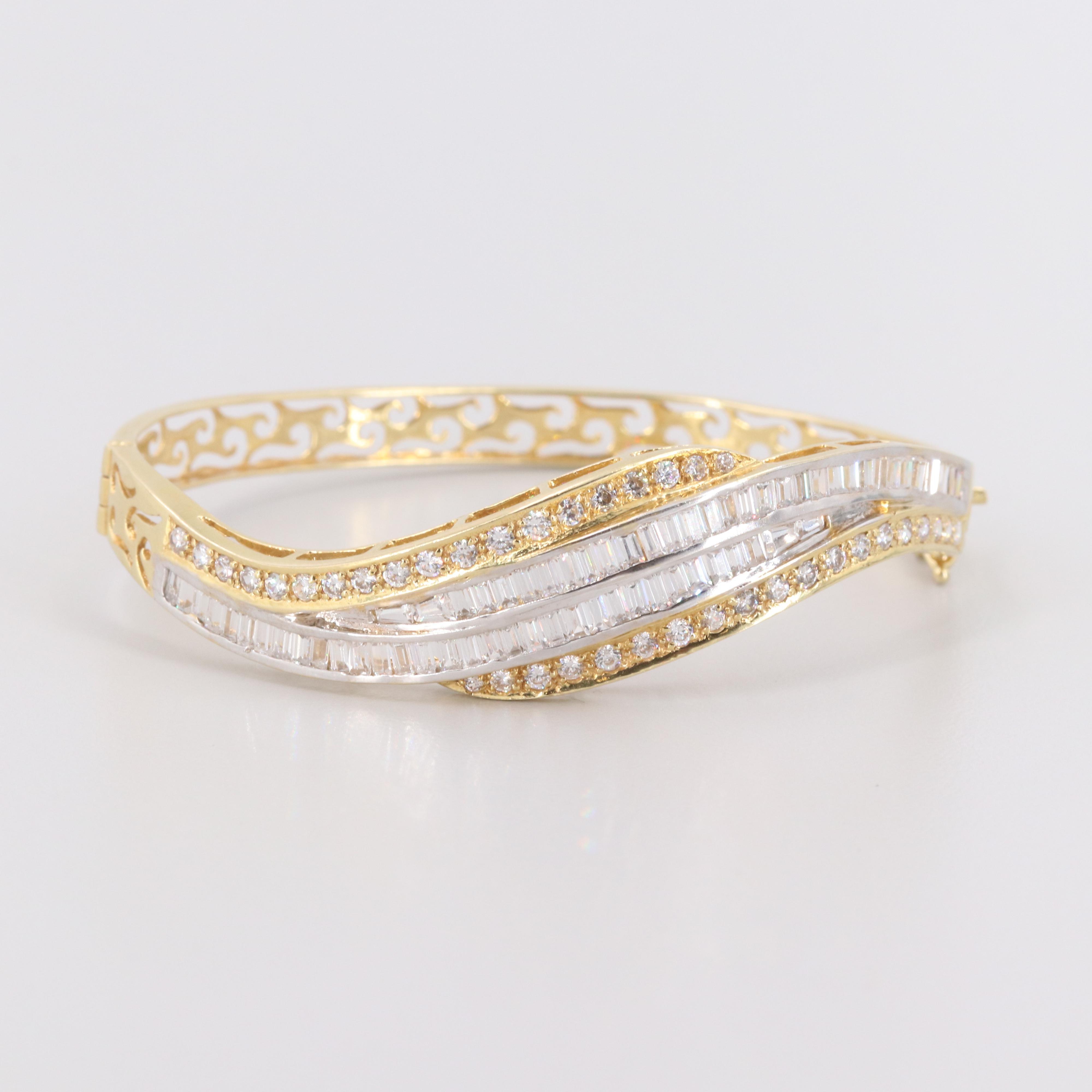18K Yellow Gold Cubic Zirconia Bangle Bracelet