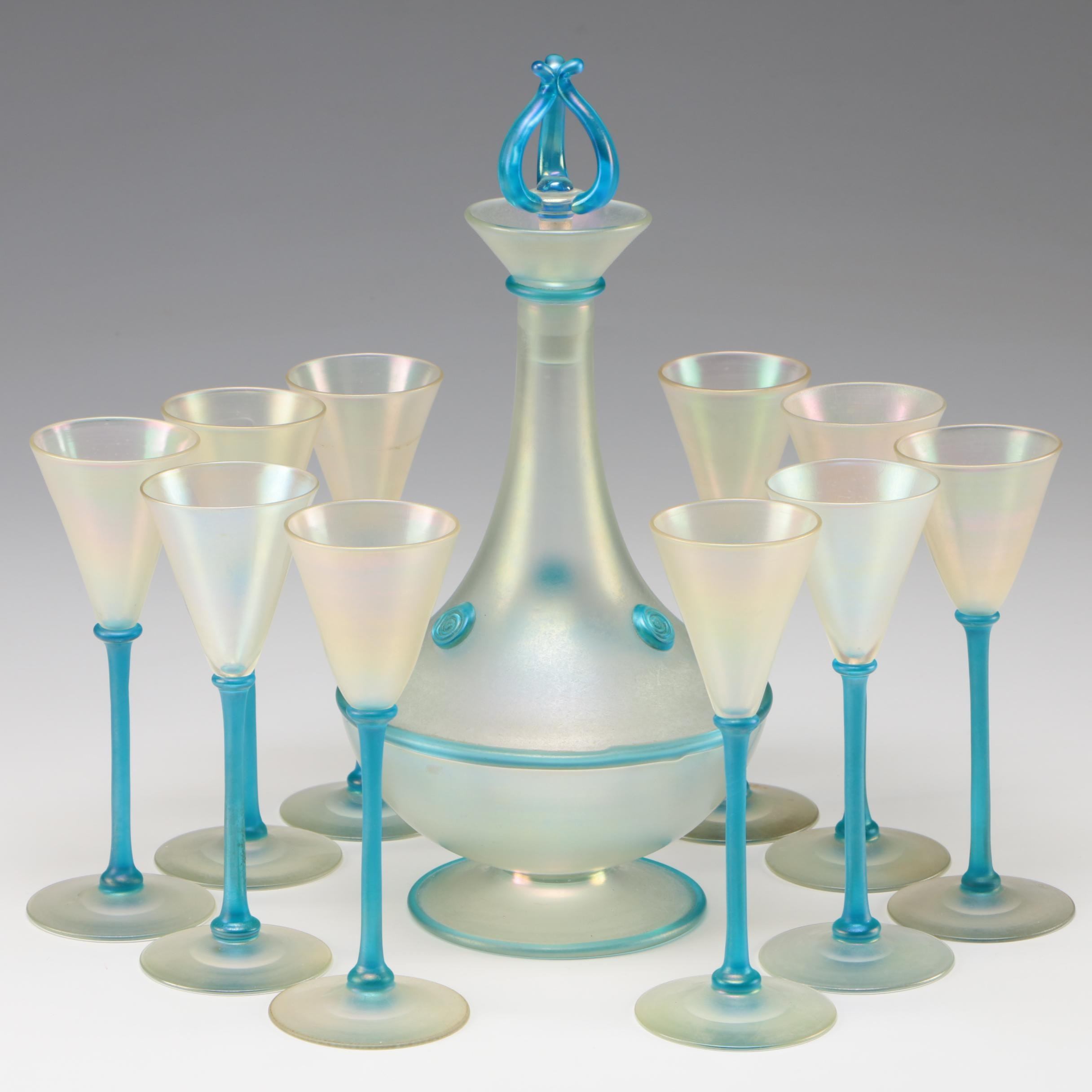 Steuben Verre de Soie Art Glass Decanter and Cups, Early 20th Century