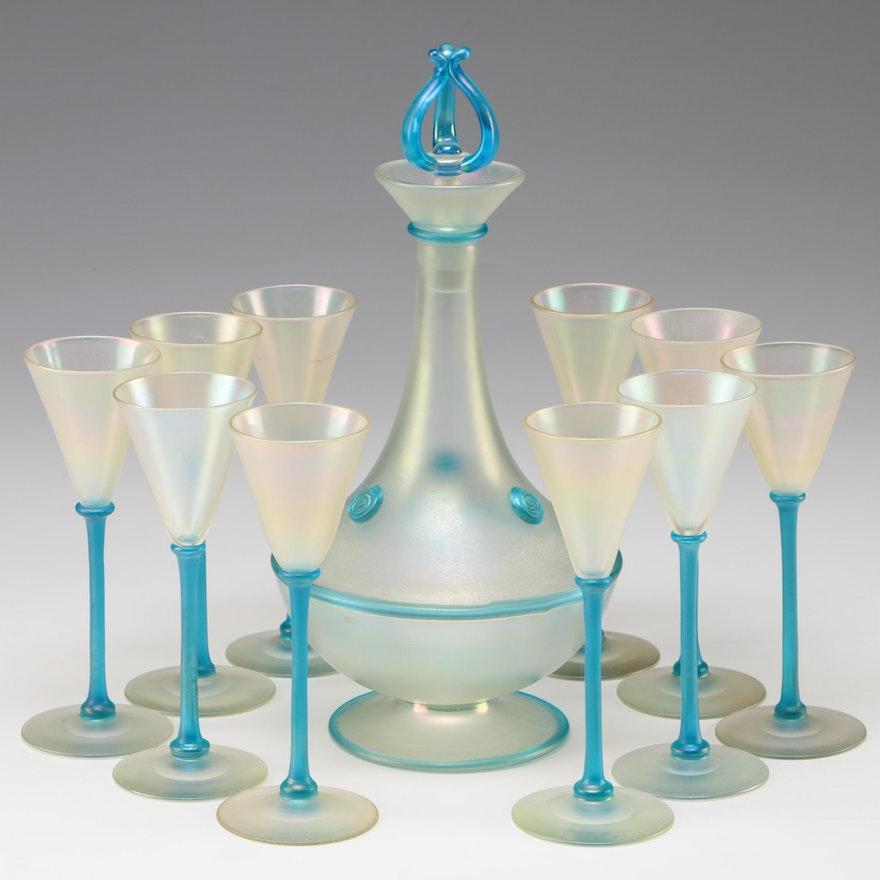 Steuben Verre de Soie Art Glass Decanter and Cups, Early 20th Century