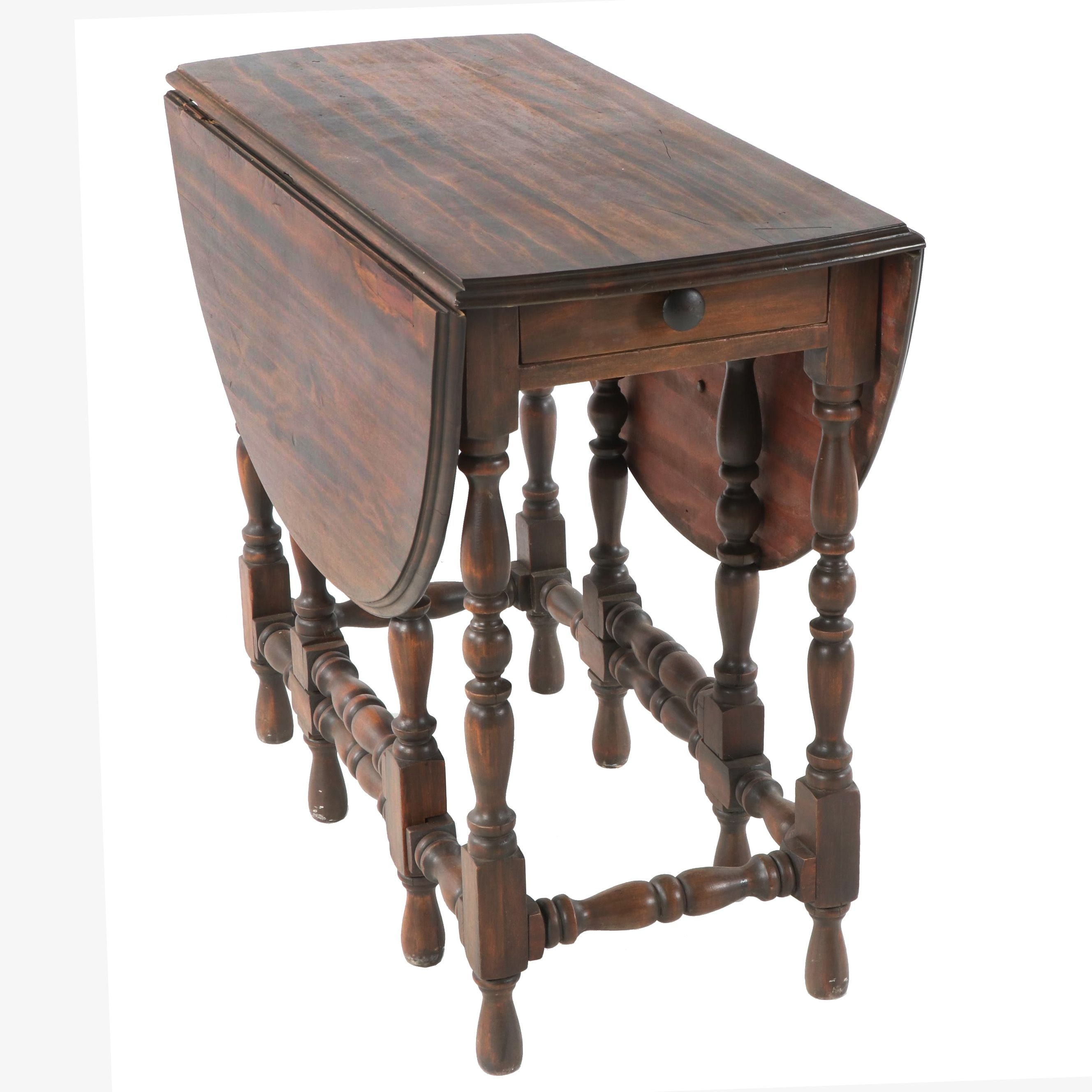 William and Mary Style Wooden Pembroke Table, 20th Century