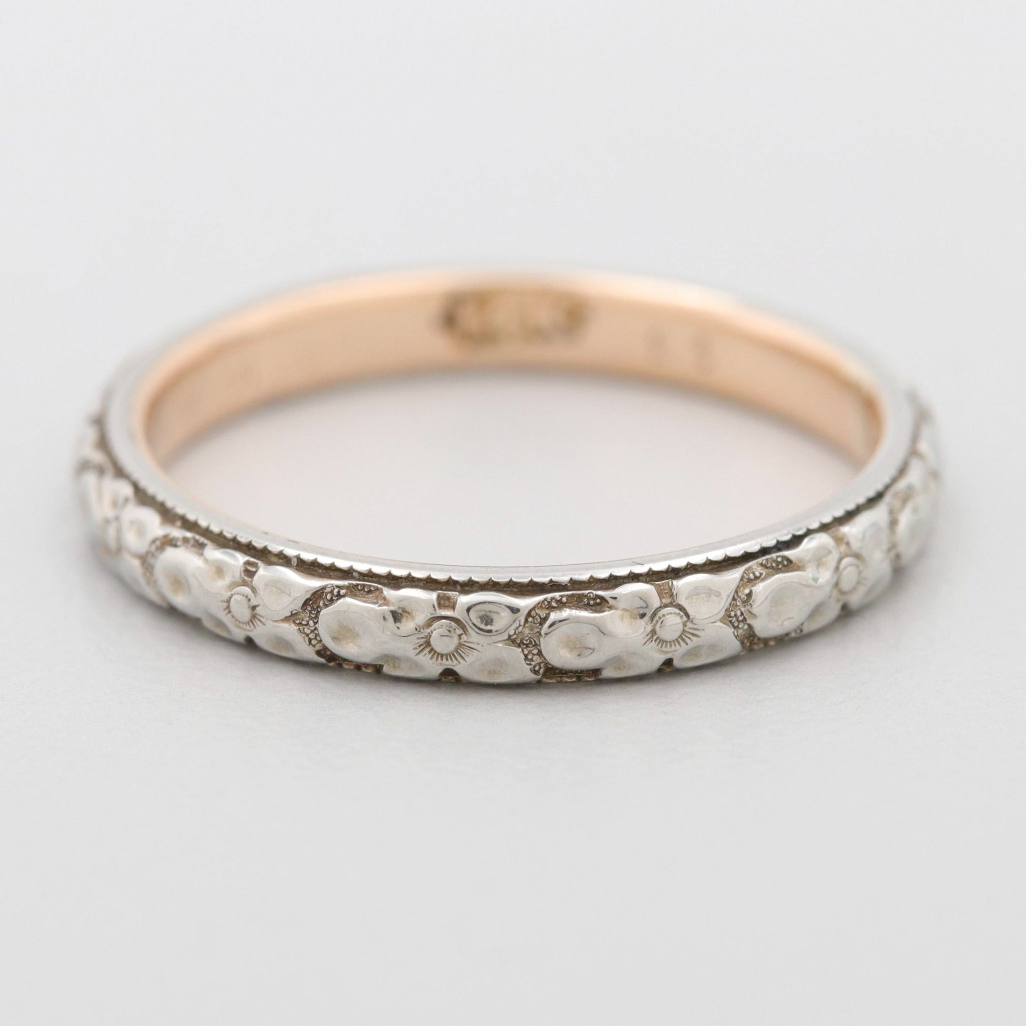 Vintage 18K White and Yellow Gold Band with Floral Motif