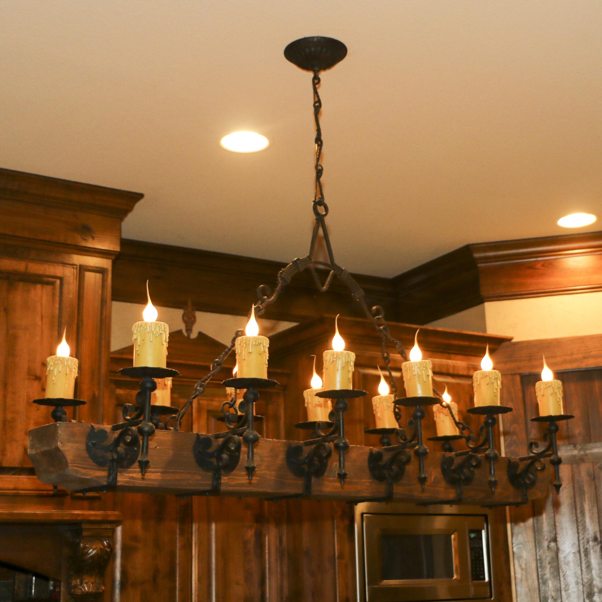 Gothic Style Wooden Beam Twelve-Arm Pendant Light