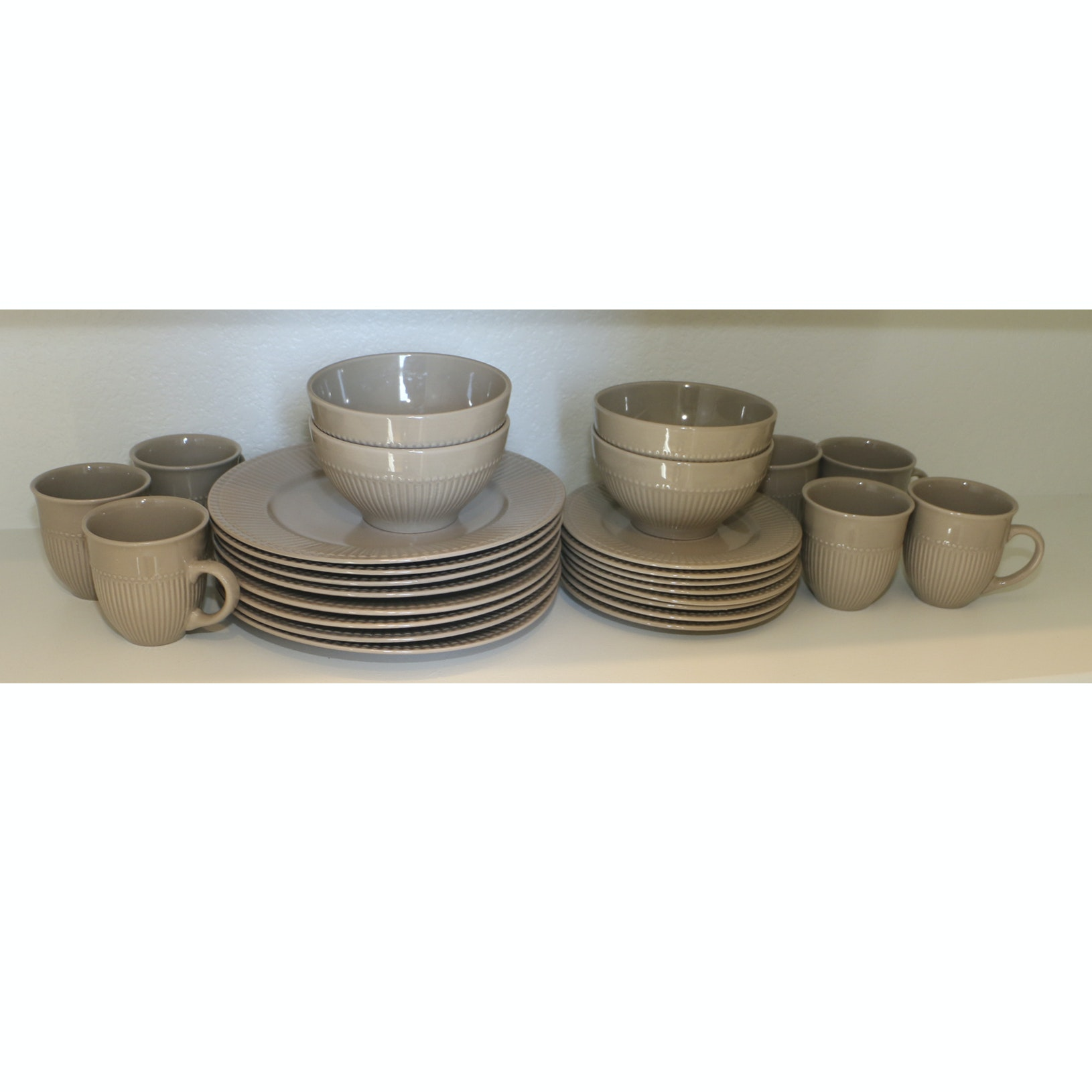 Lorren Home Trends by Lorenzo Grey Ribbed Dinnerware Set