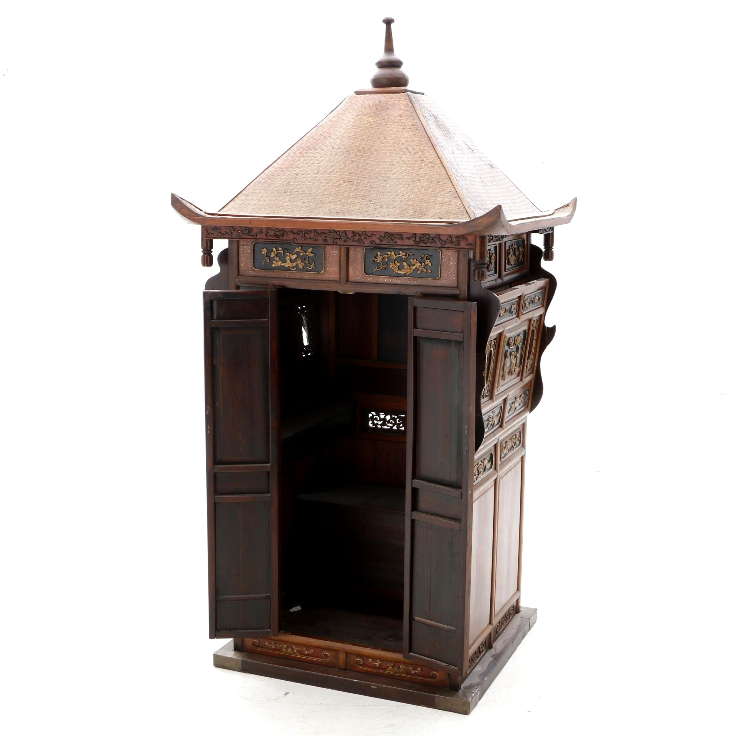 Chinese Painted and Carved Wood Bridal Sedan Chair, Qing Dynasty