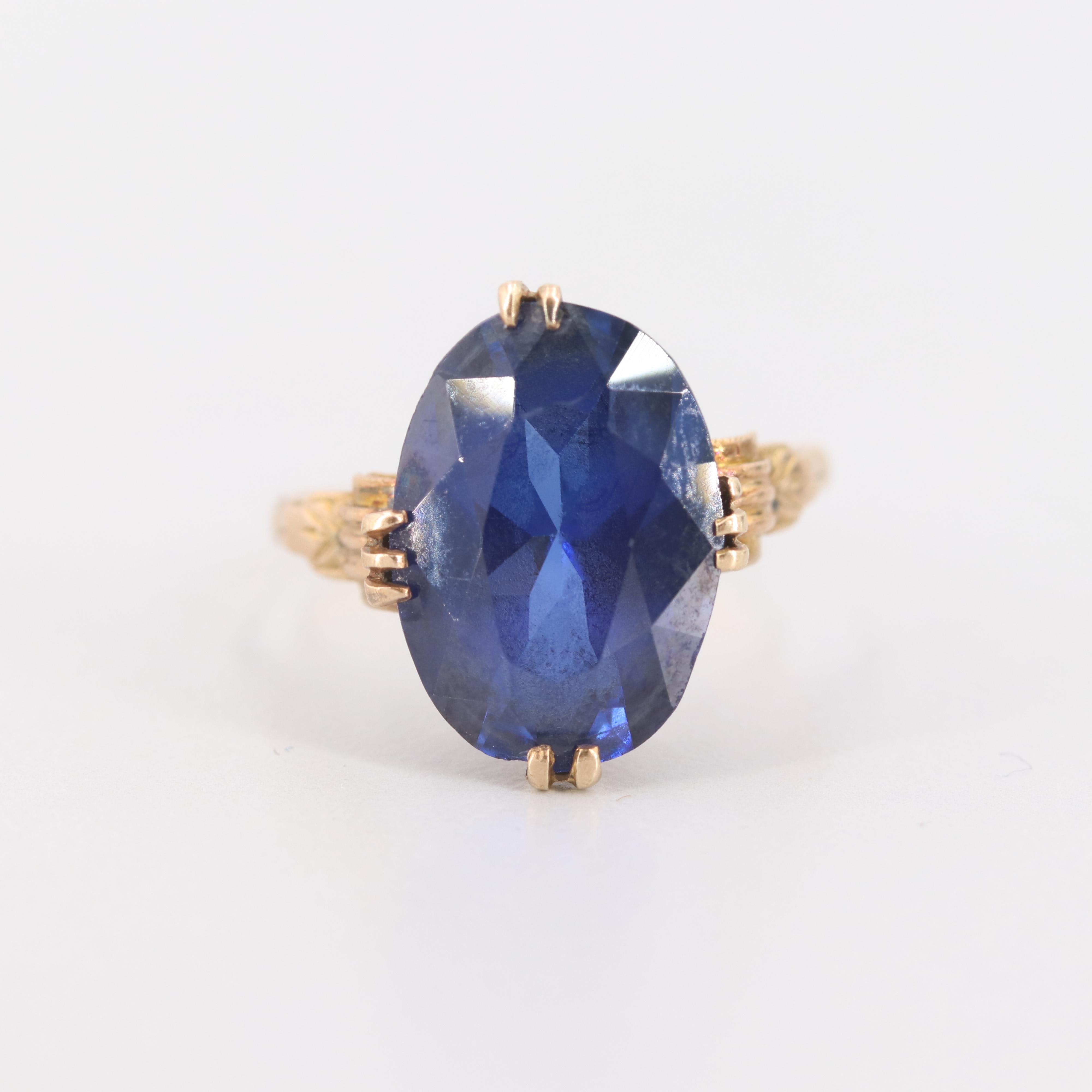 Vintage 18K Yellow Gold Synthetic Sapphire Ring