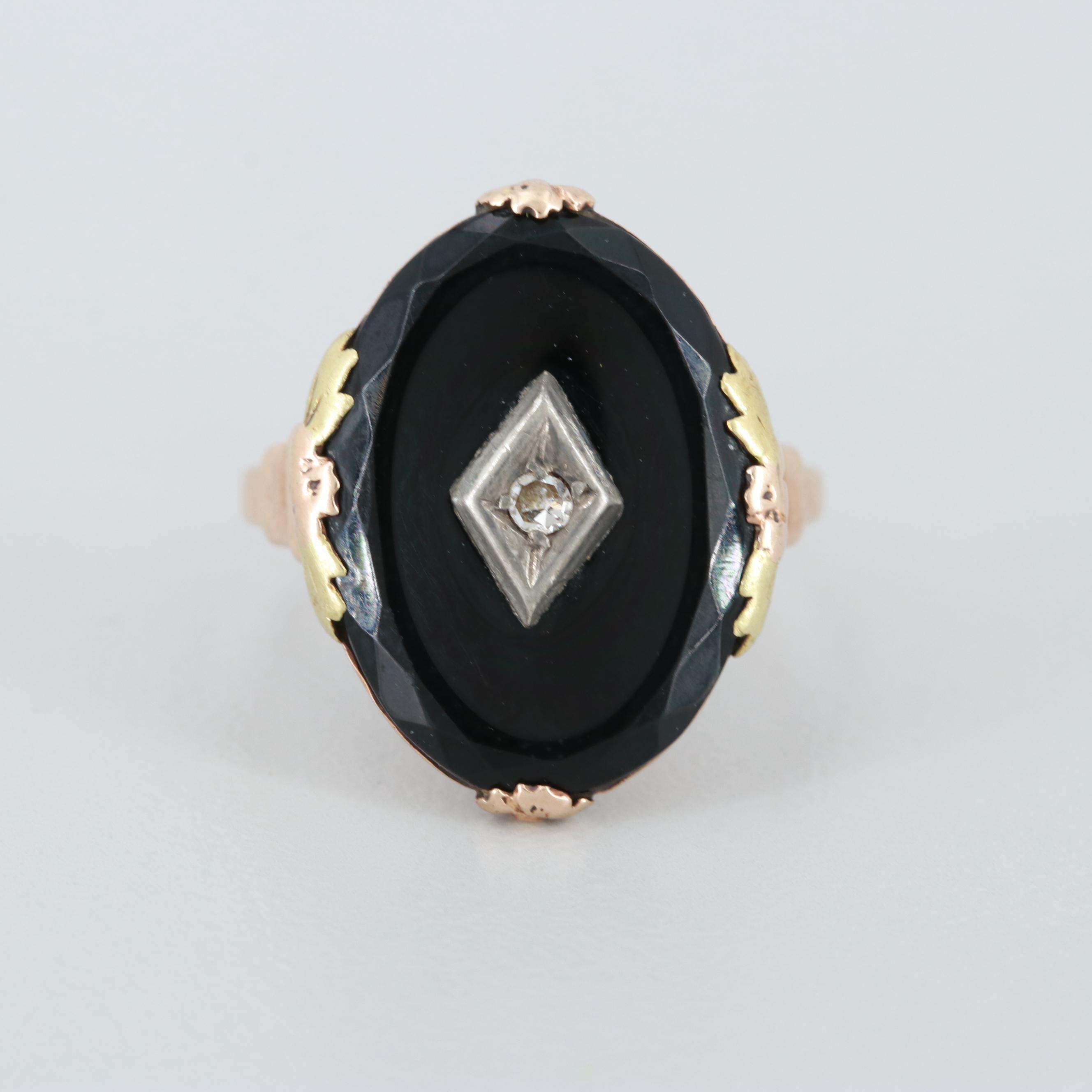 Vintage 10K Yellow Gold Black Onyx and Diamond Ring