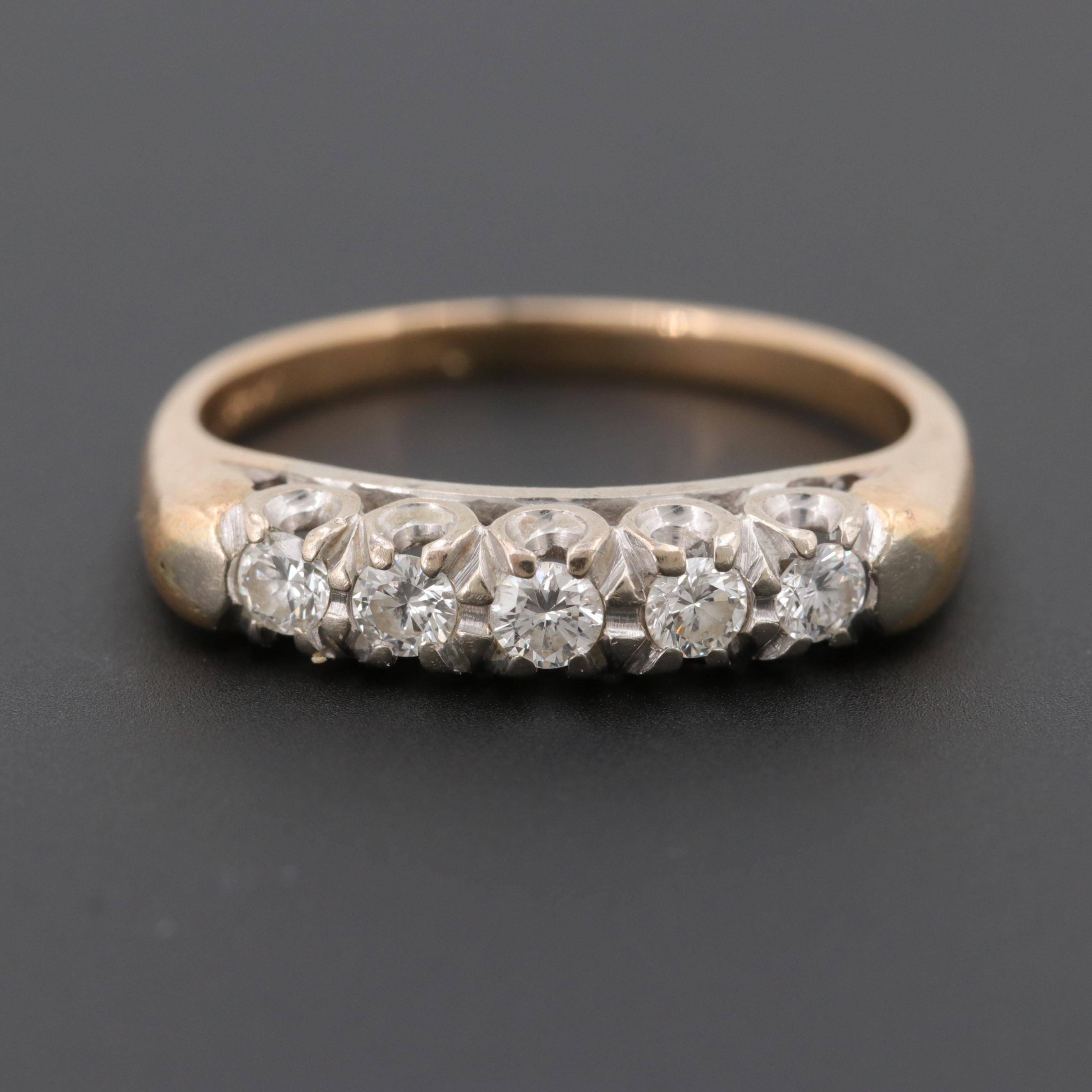 Vintage 14K Yellow Gold Diamond Ring With a 14K White Gold Setting