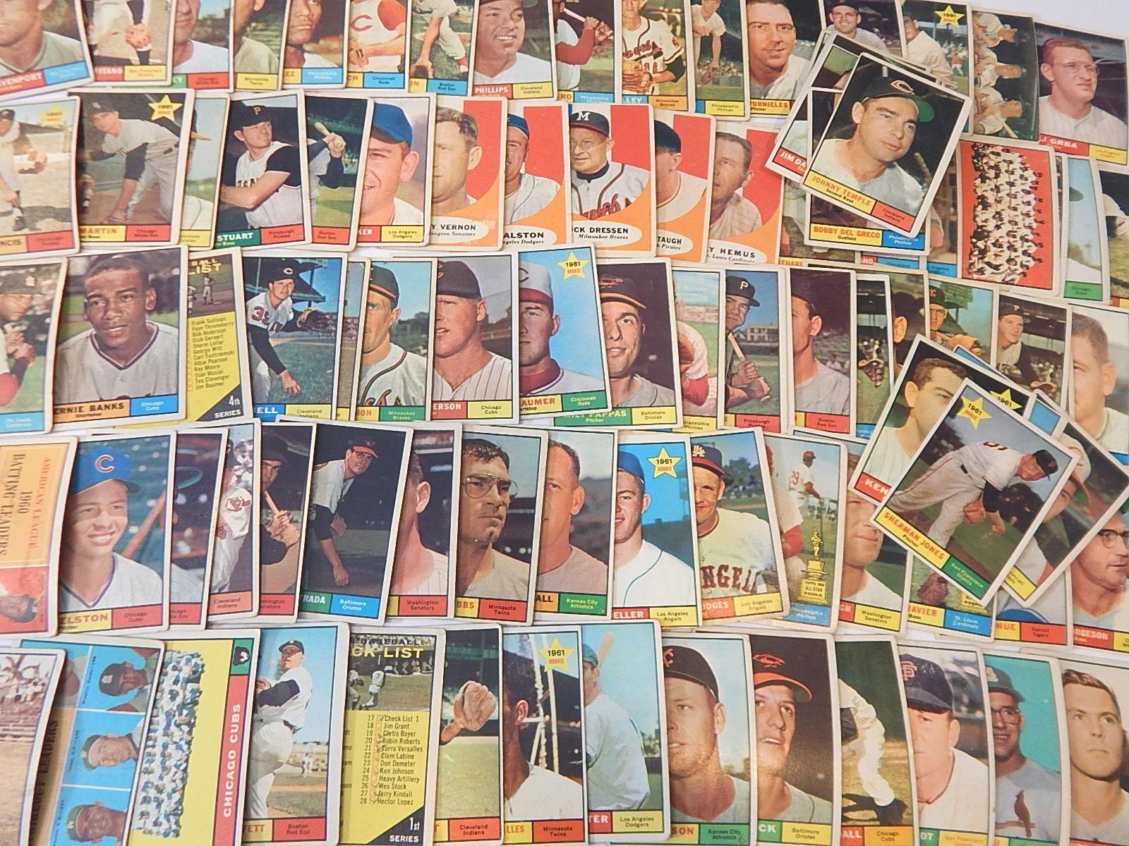 1961 Topps Baseball Card Lot with Ernie Banks, Johnny Temple, Cubs Team Card