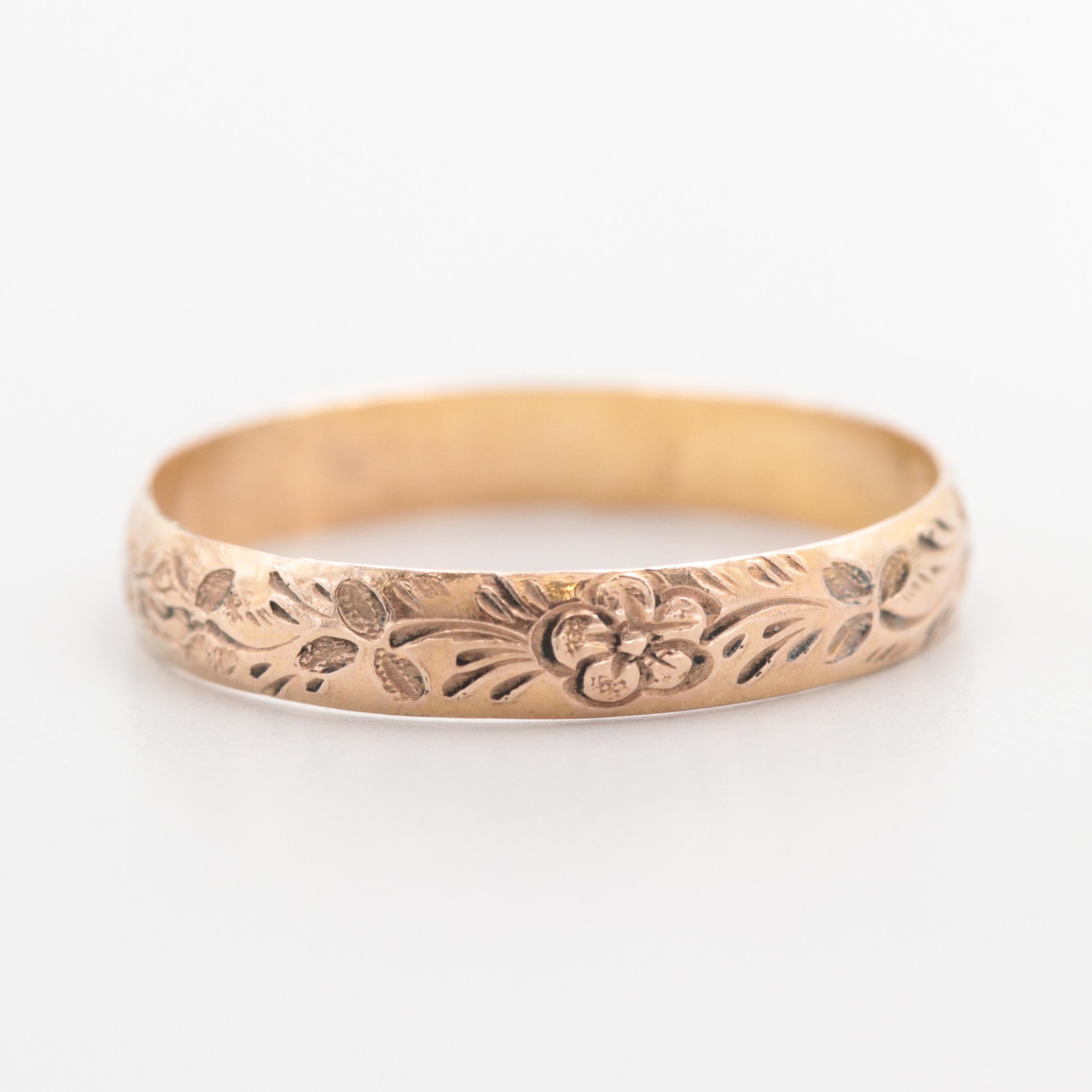 Victorian 10K Yellow Gold Etched Floral Band