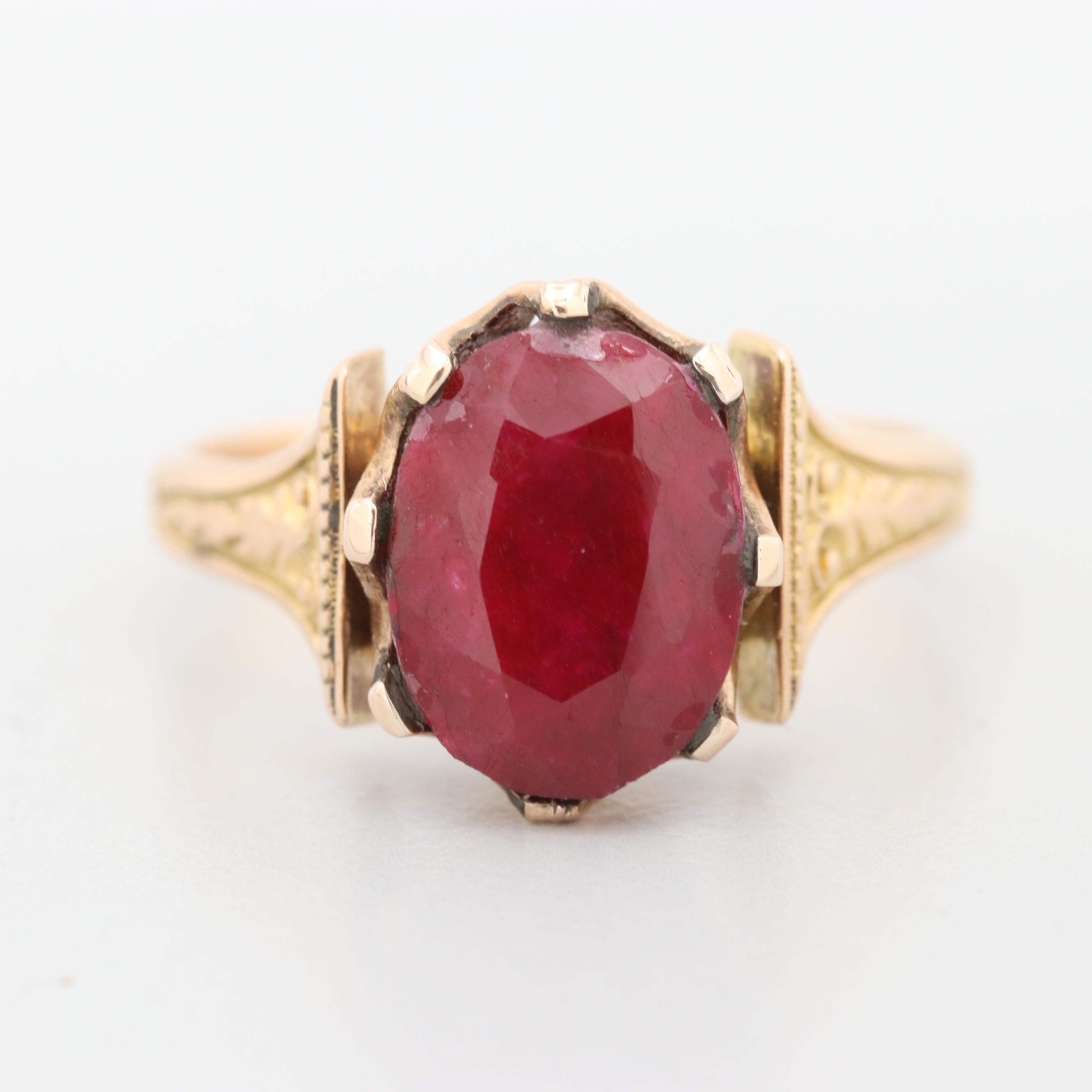 Victorian 18K Yellow Gold Corundum Ring