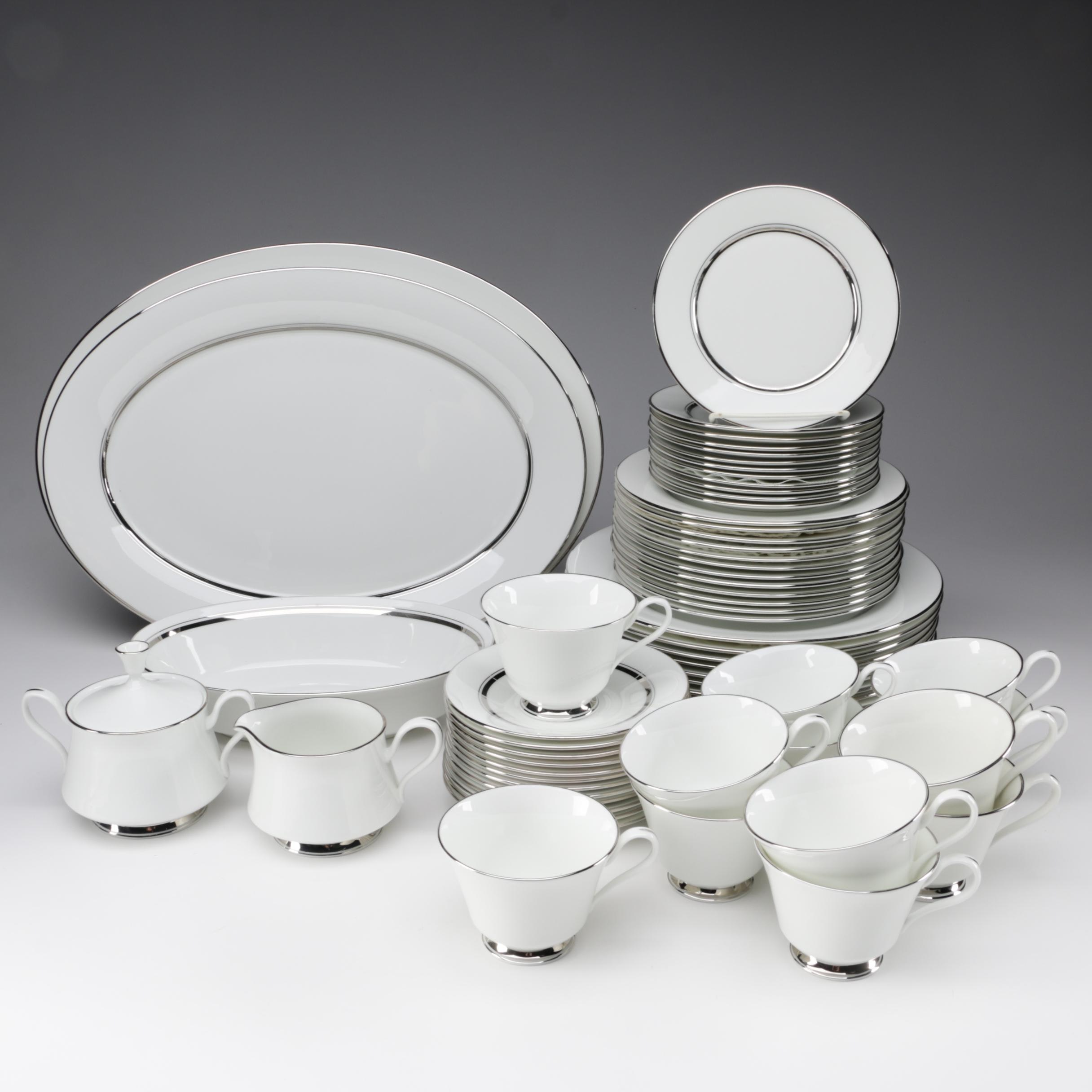 "Oxford ""Lexington"" Bone China Dinnerware, 20th Century"