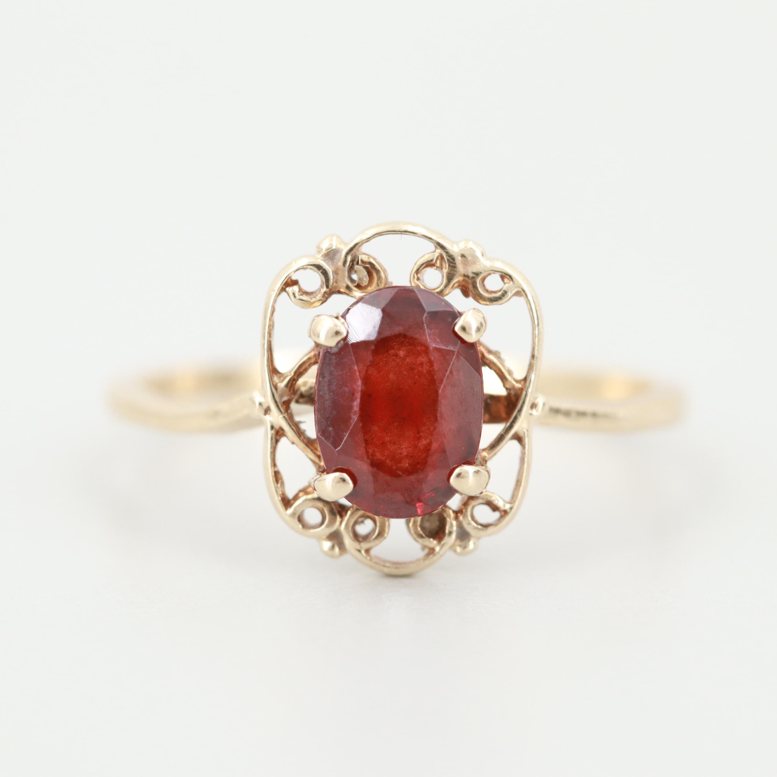 Vintage 10K Yellow Gold Garnet Ring