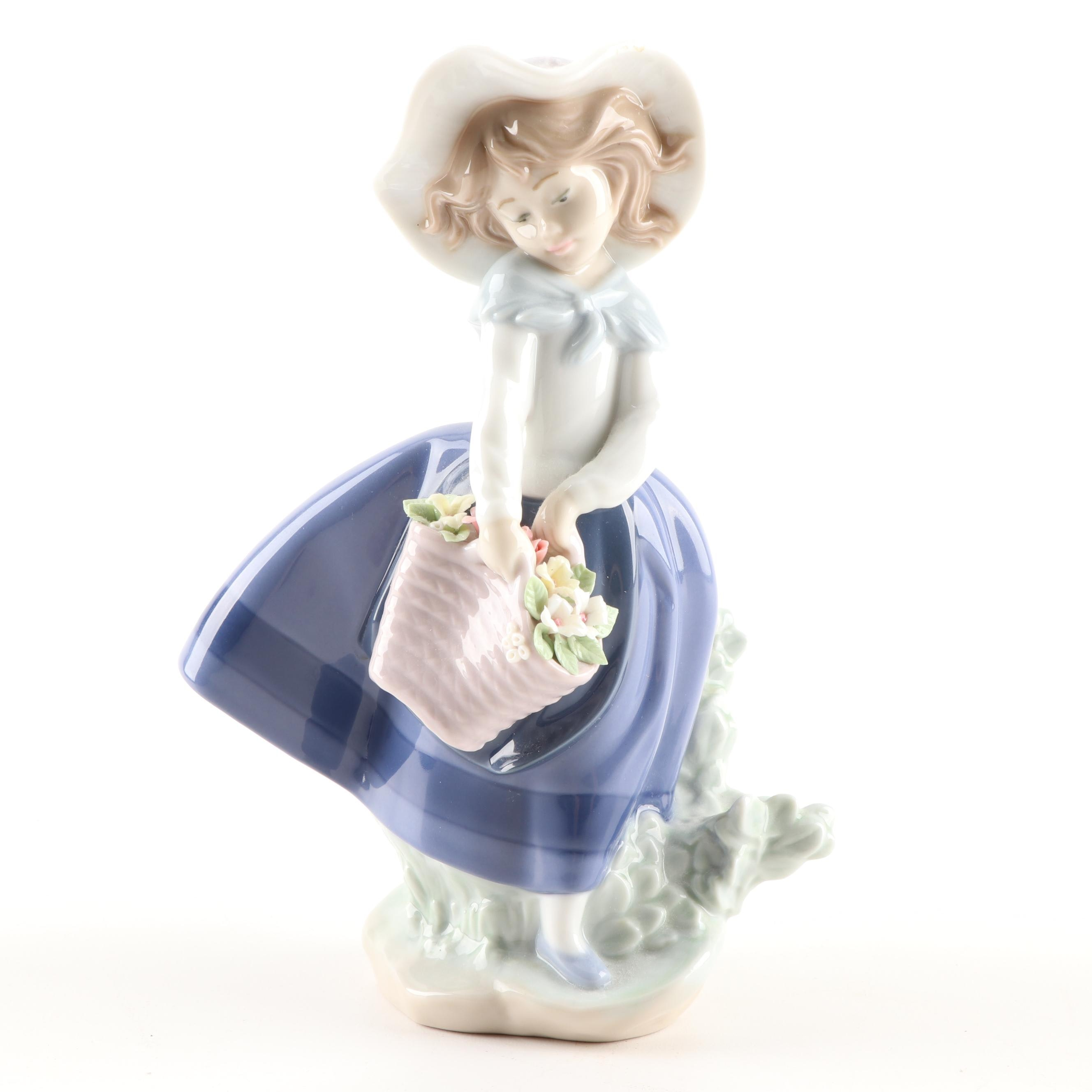 "Lladró ""Pretty Pickings"" Porcelain Figurine, 1983"