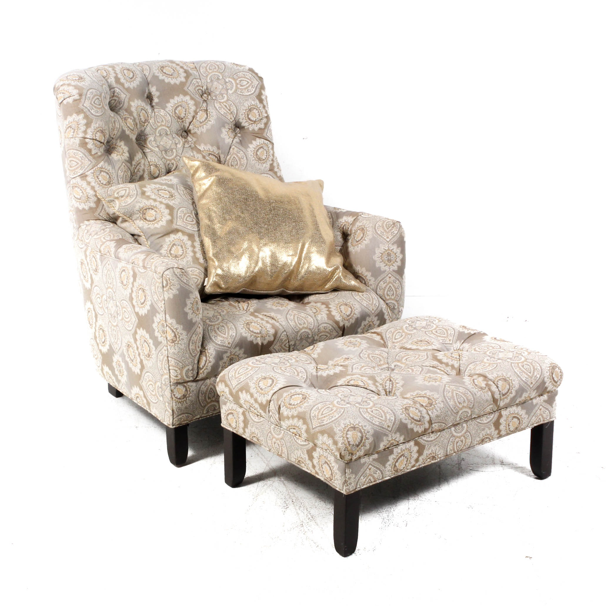 Cambridge Collection Tufted Armchair and Ottoman