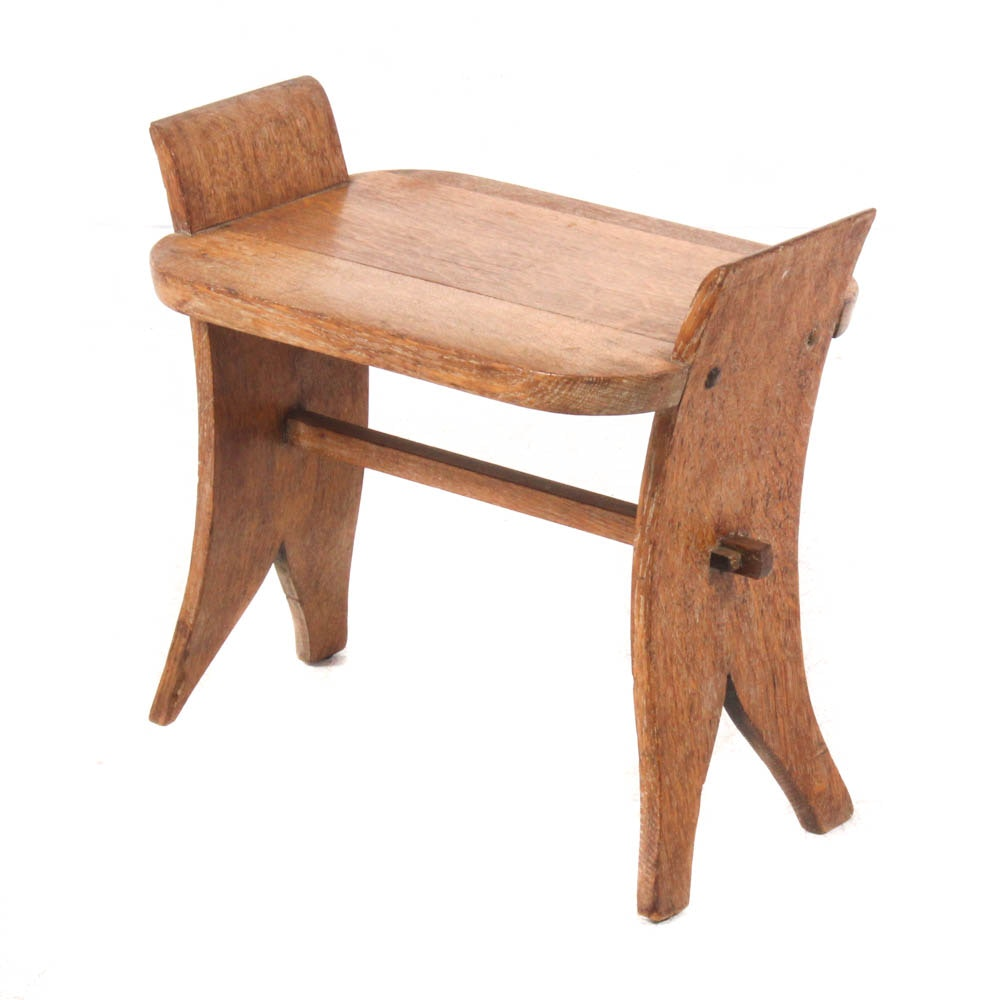 Arts and Crafts Quarter-Sawn Oak Slab Stool, Early 20th Century